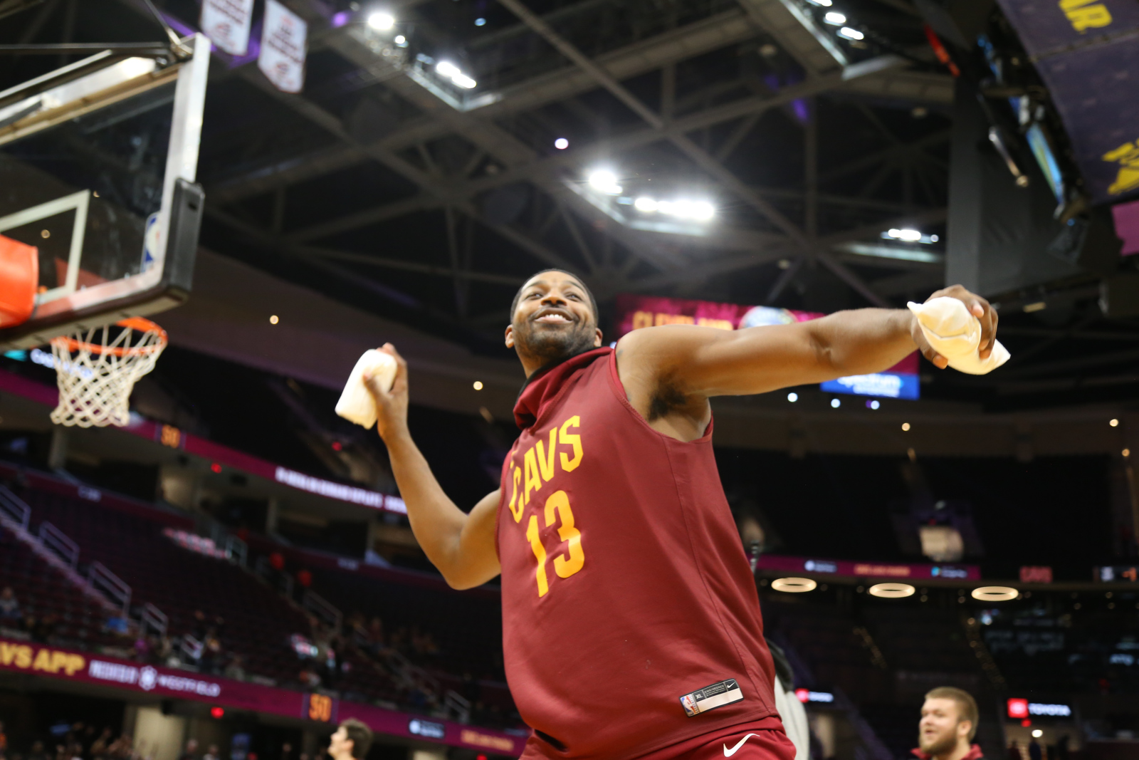 Cleveland Cavaliers turn Wine & Gold scrimmage into a lighthearted affair for fans