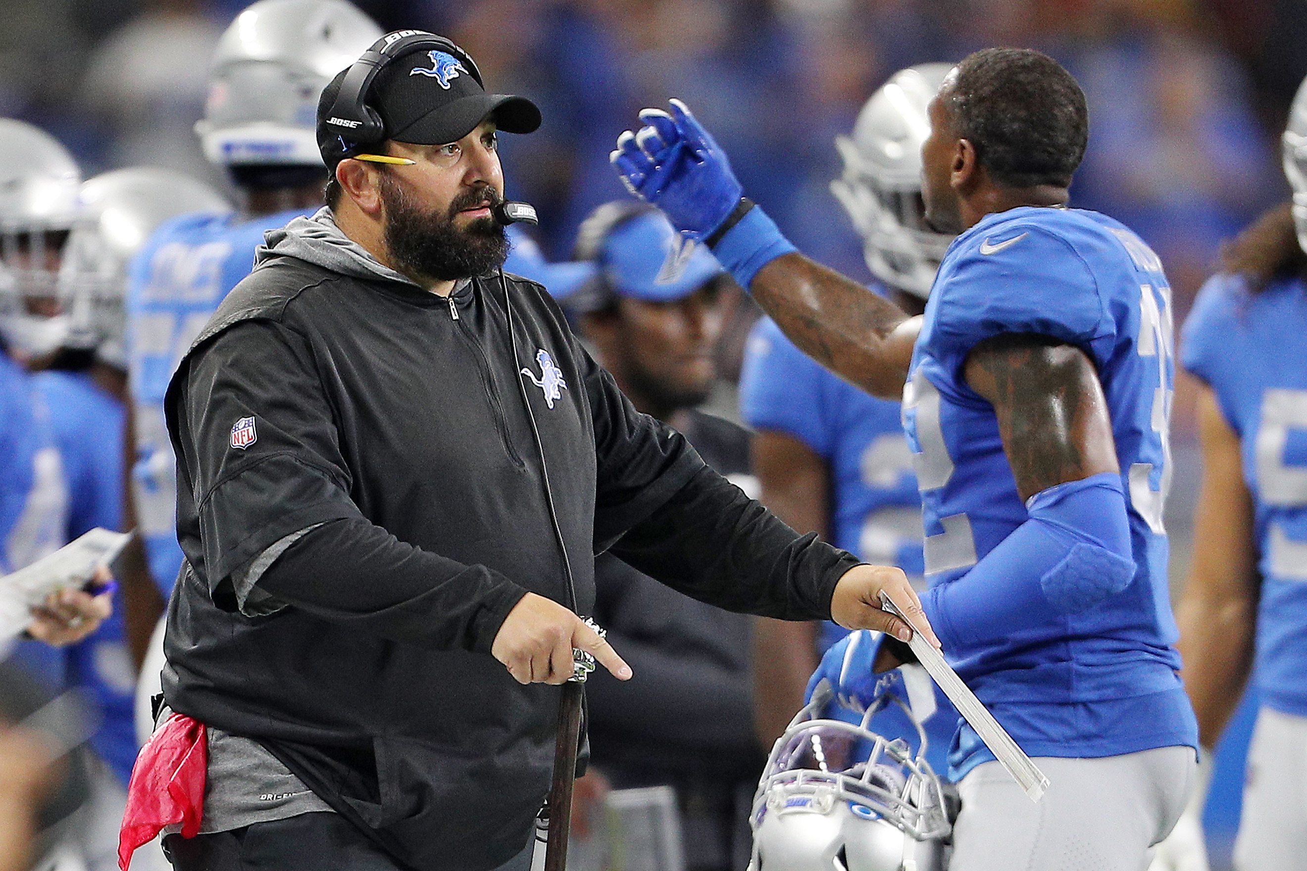Detroit Lions introduce all-time team at halftime with 2 current players featured