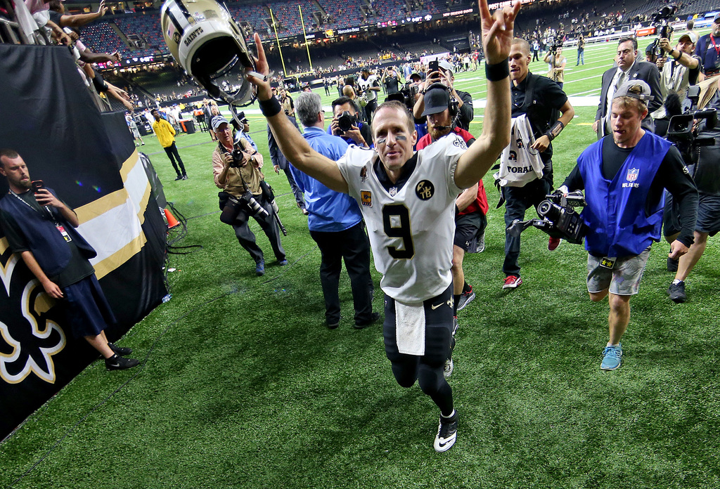New Orleans Saints quarterback Drew Brees waves to fans as he leaves the field during the game between the Washington Redskins and New Orleans Saints at the Superdome on Monday, October 8, 2018. (Photo by Michael DeMocker, NOLA.com | The Times-Picayune)