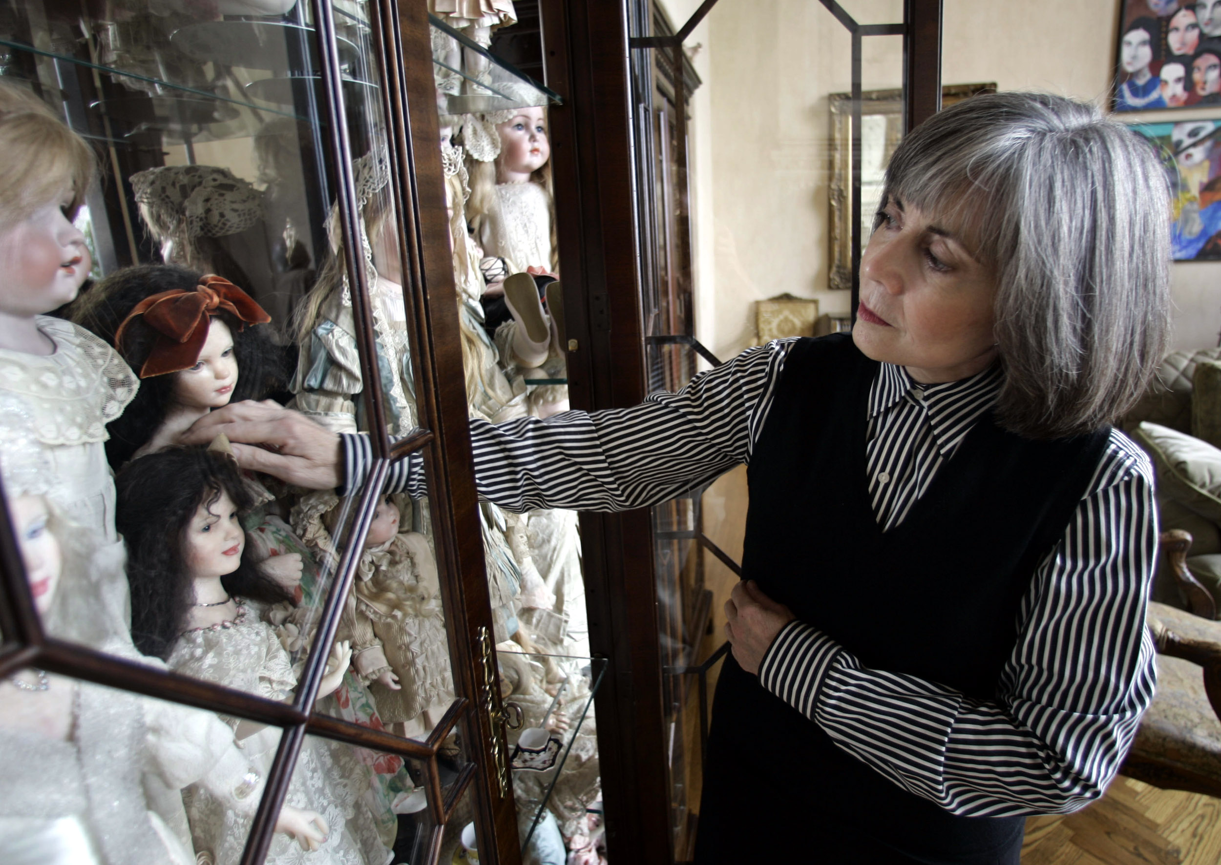 Vampire novelist Anne Rice's doll collection (yes, doll collection) is heading to Pa.