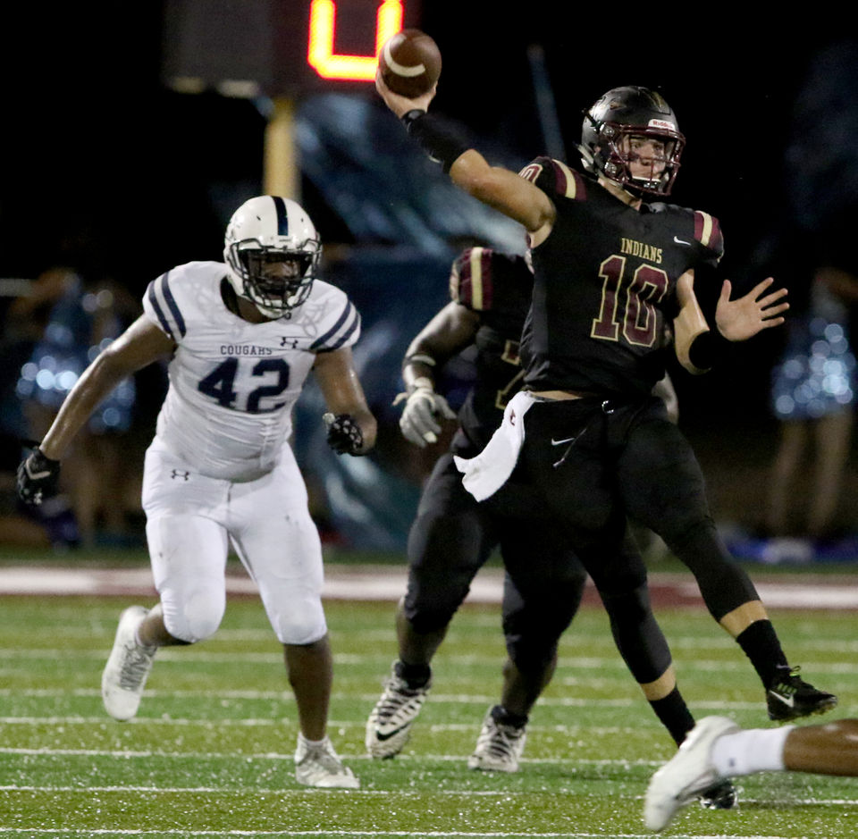 Bo Nix had an incredible game on Friday. He's one of many future Auburn players that were in action this weekend.