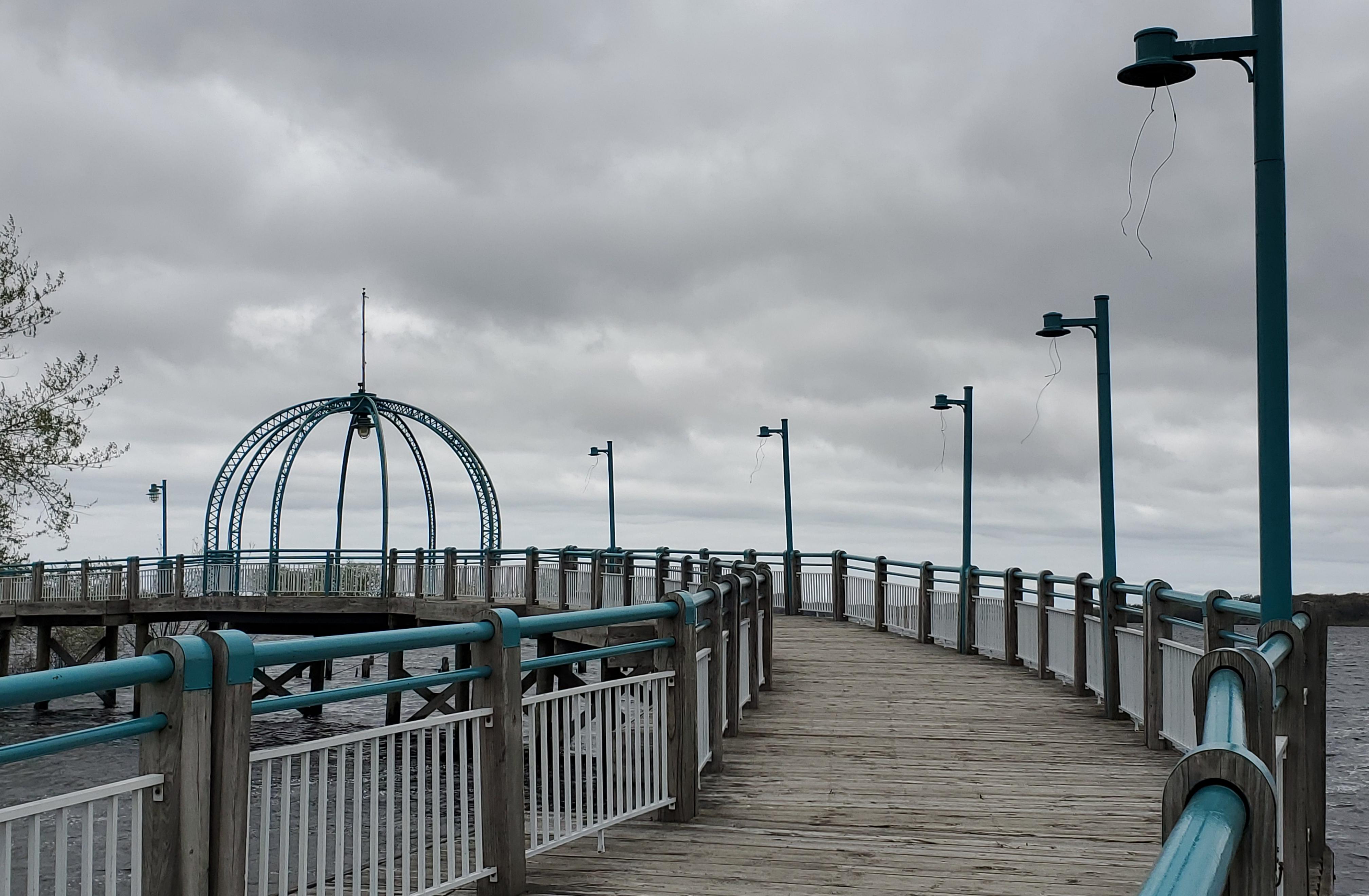 Vandals cause $8K in damage to light fixtures on Heritage Landing bridge