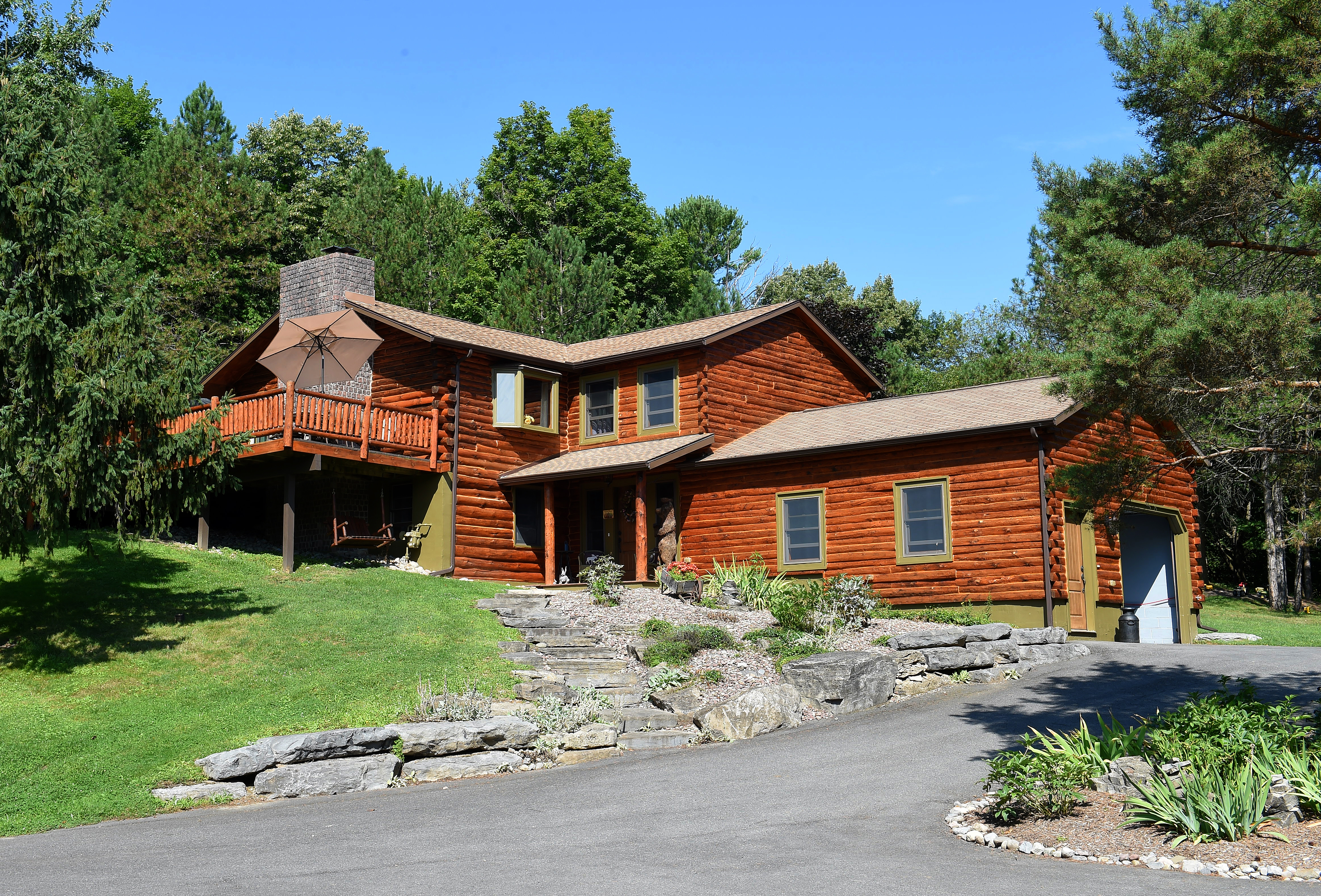 House of the Week: Taunton log cabin blends the rustic with the modern
