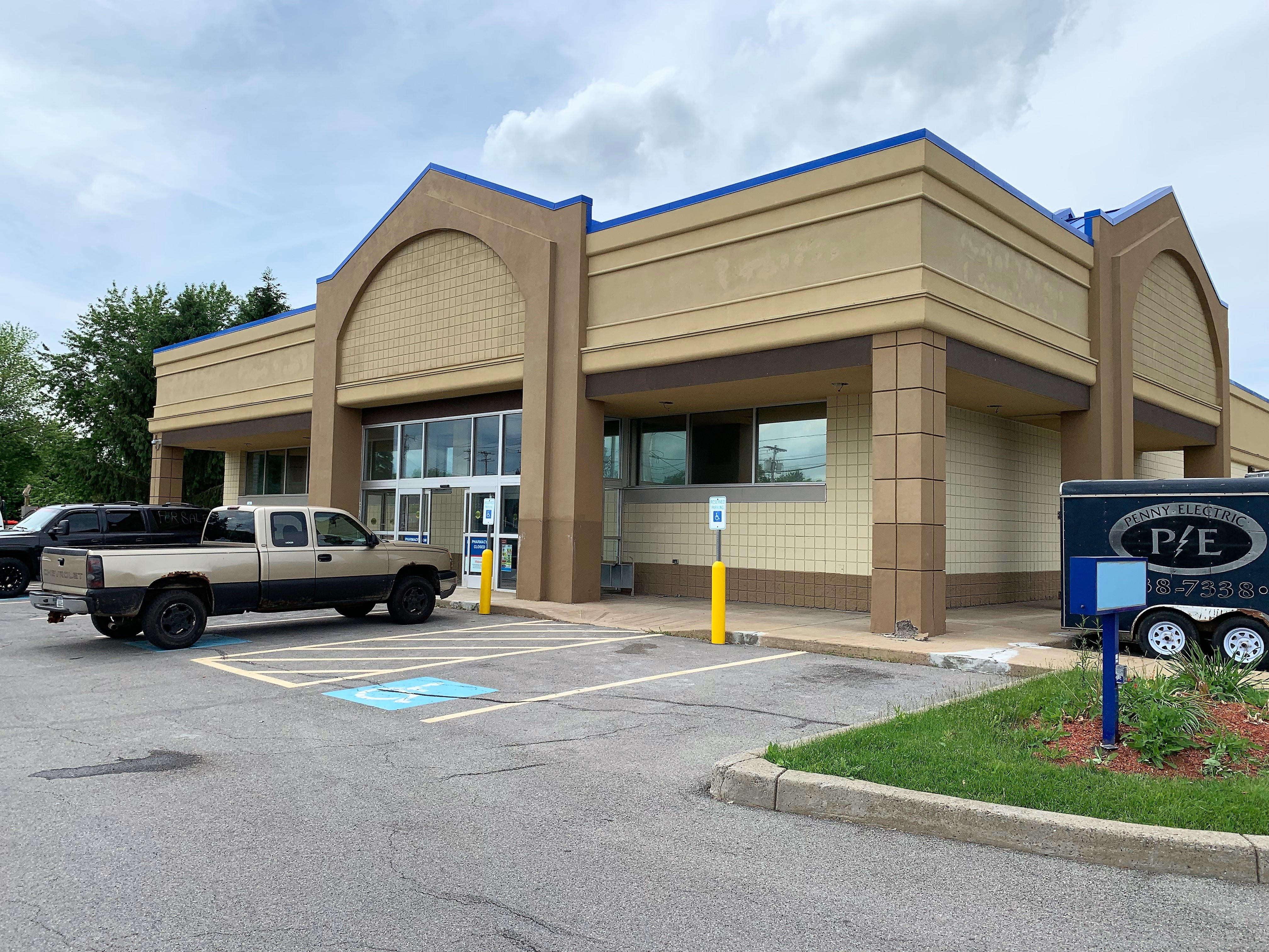 Dollar General opens new store in Clay