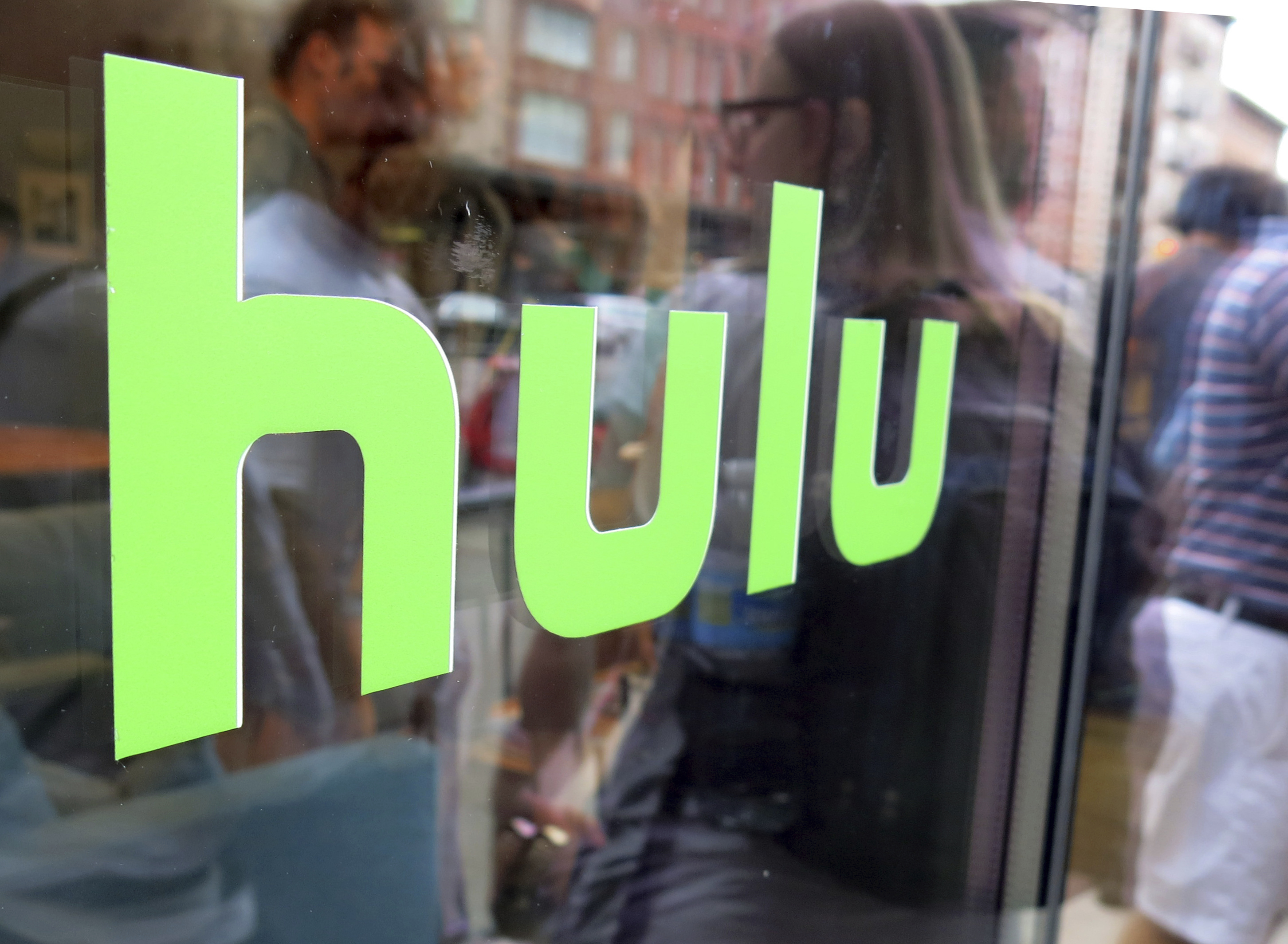 Hulu to let subscribers download and watch videos offline