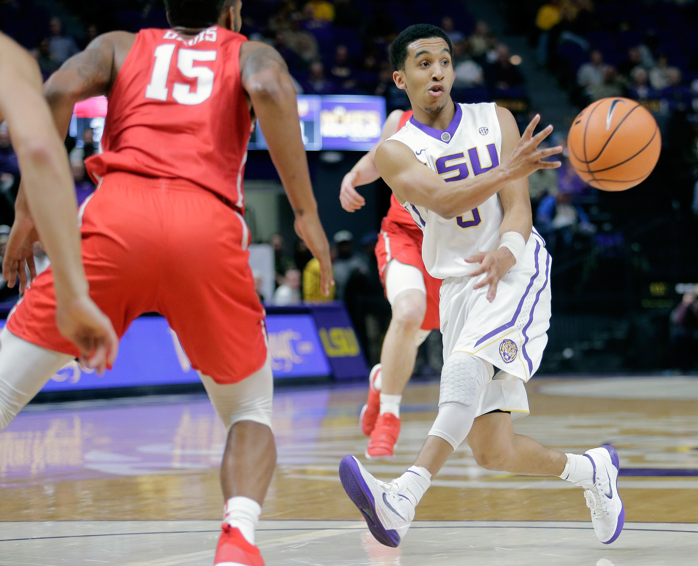 LSU Tigers guard Tremont Waters (3) passes the ball during first half action against the Houston Cougars at the Pete Maravich Assembly Center in Baton Rouge on Wednesday, December 13, 2017. (Brett Duke, NOLA.com | The Times-Picayune)