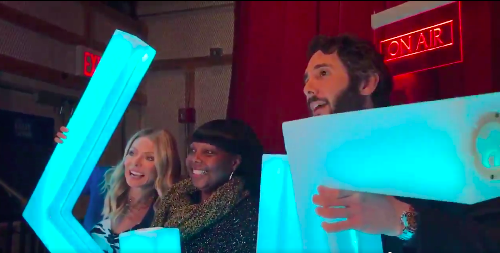 Staten Island teacher gets pulled out of 'Live with Kelly and Ryan' audience to take photo with Josh Groban
