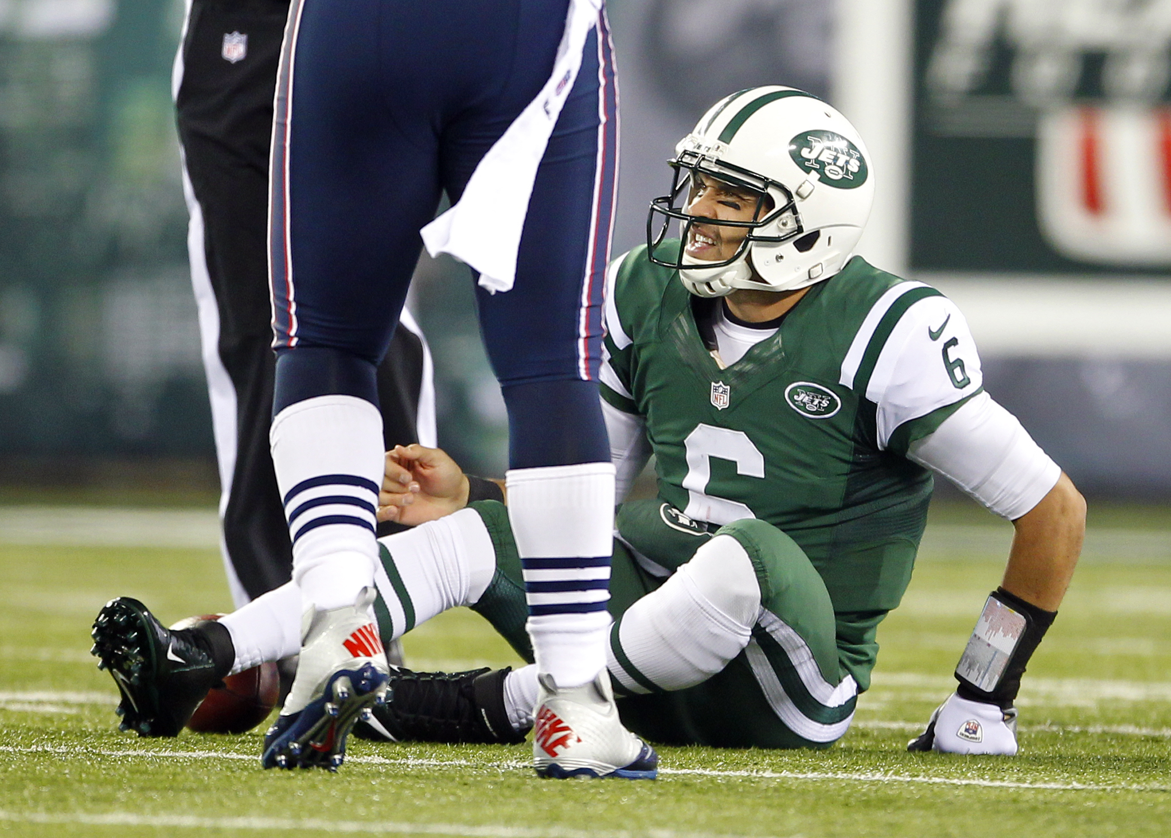 Former Jets QB Mark Sanchez retires from NFL, will be lead college football analyst
