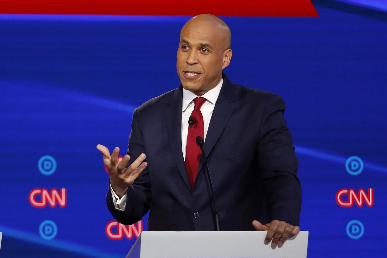 Booker bill seeks to curb gun violence in cities