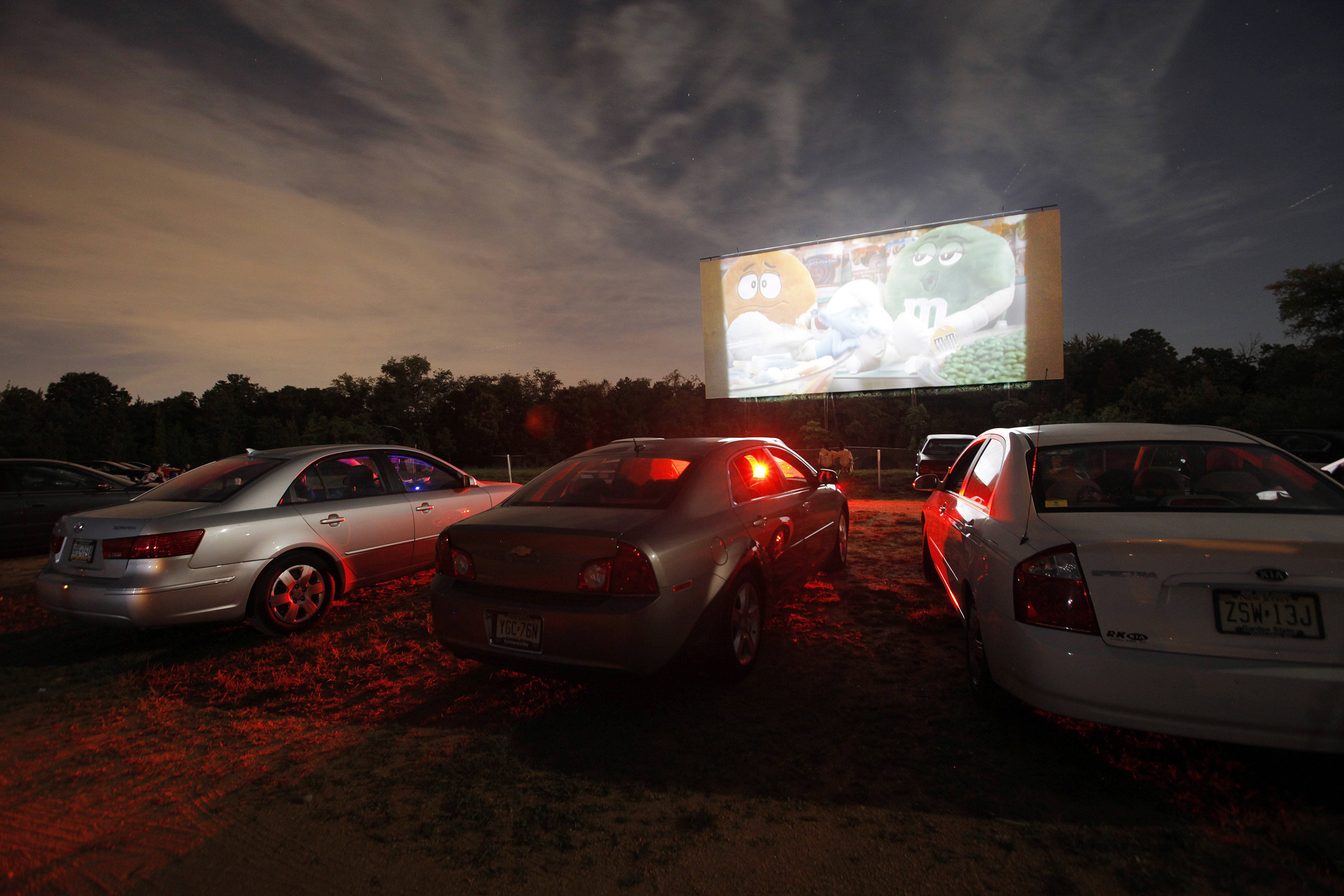 N.J.'s last drive-in theater opens for 2019 season