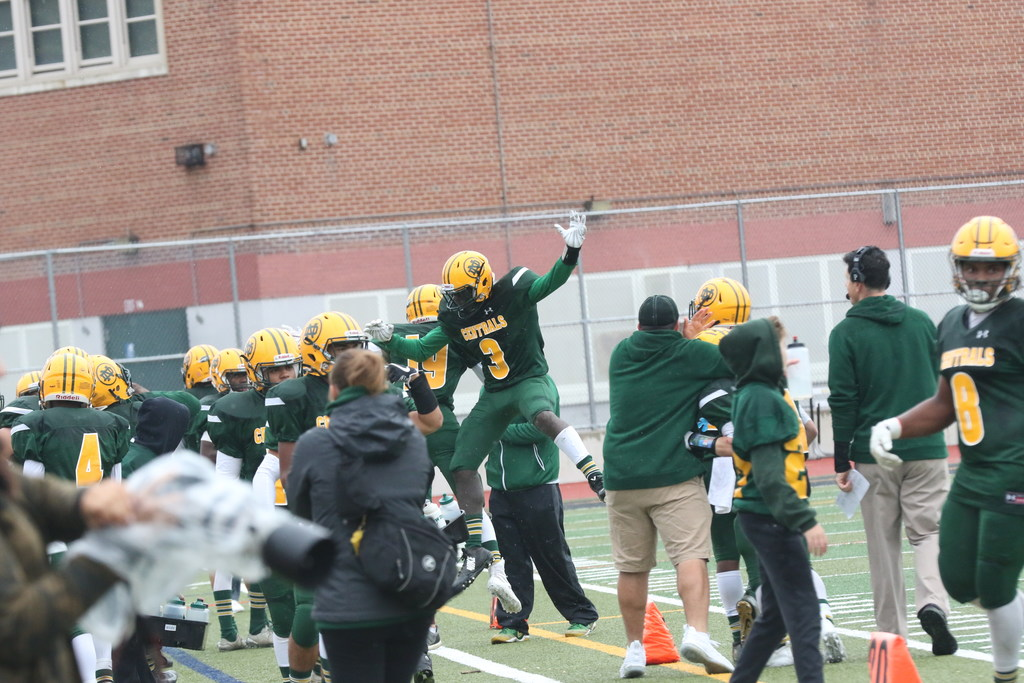 Sophomore takes center stage as New Dorp rolls in football, 22-8
