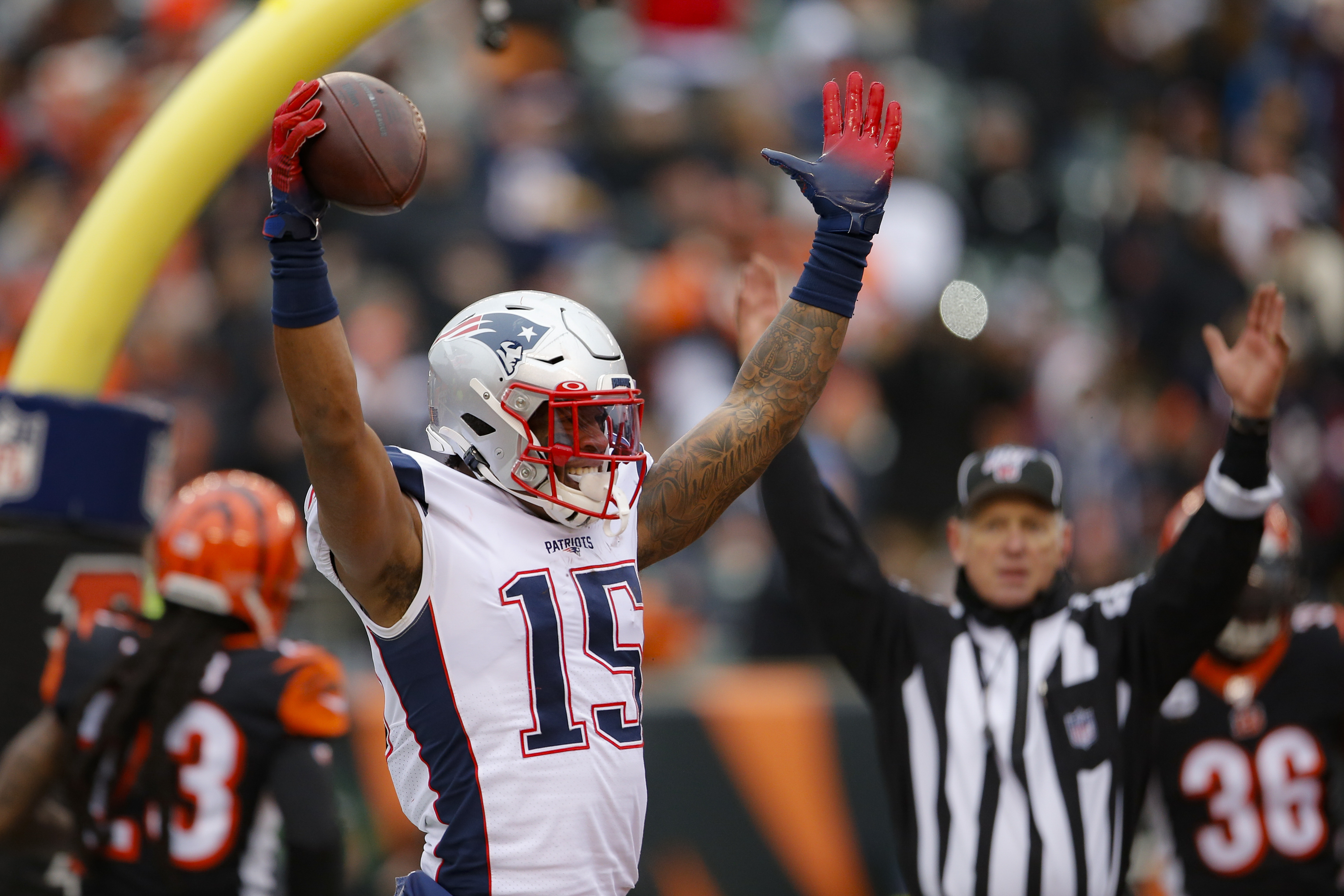 New England Patriots Clinch Playoff Berth After Win Over The Cincinnati Bengals Recap Score Stats And More Oregonlive Com We offer recommendations from over 100 fantasy football experts along with player statistics. https www oregonlive com nfl 2019 12 new england patriots vs cincinnati bengals live score updates tv channel how to watch free live stream online html
