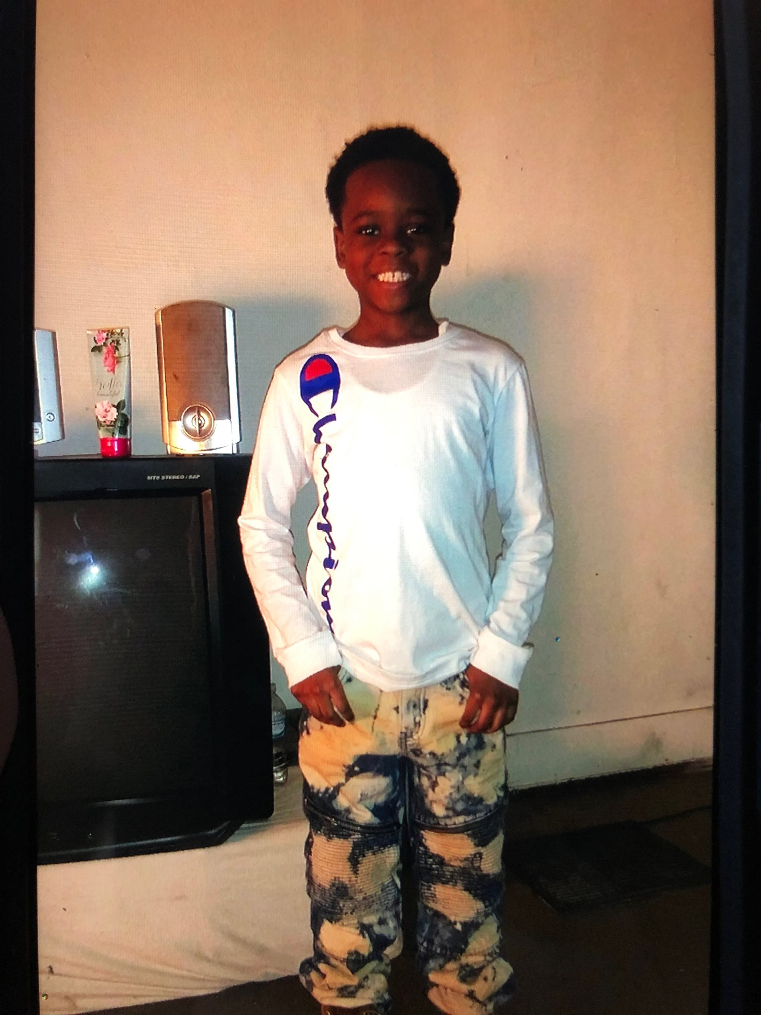 Flint police seek public's help to find missing 8-year-old