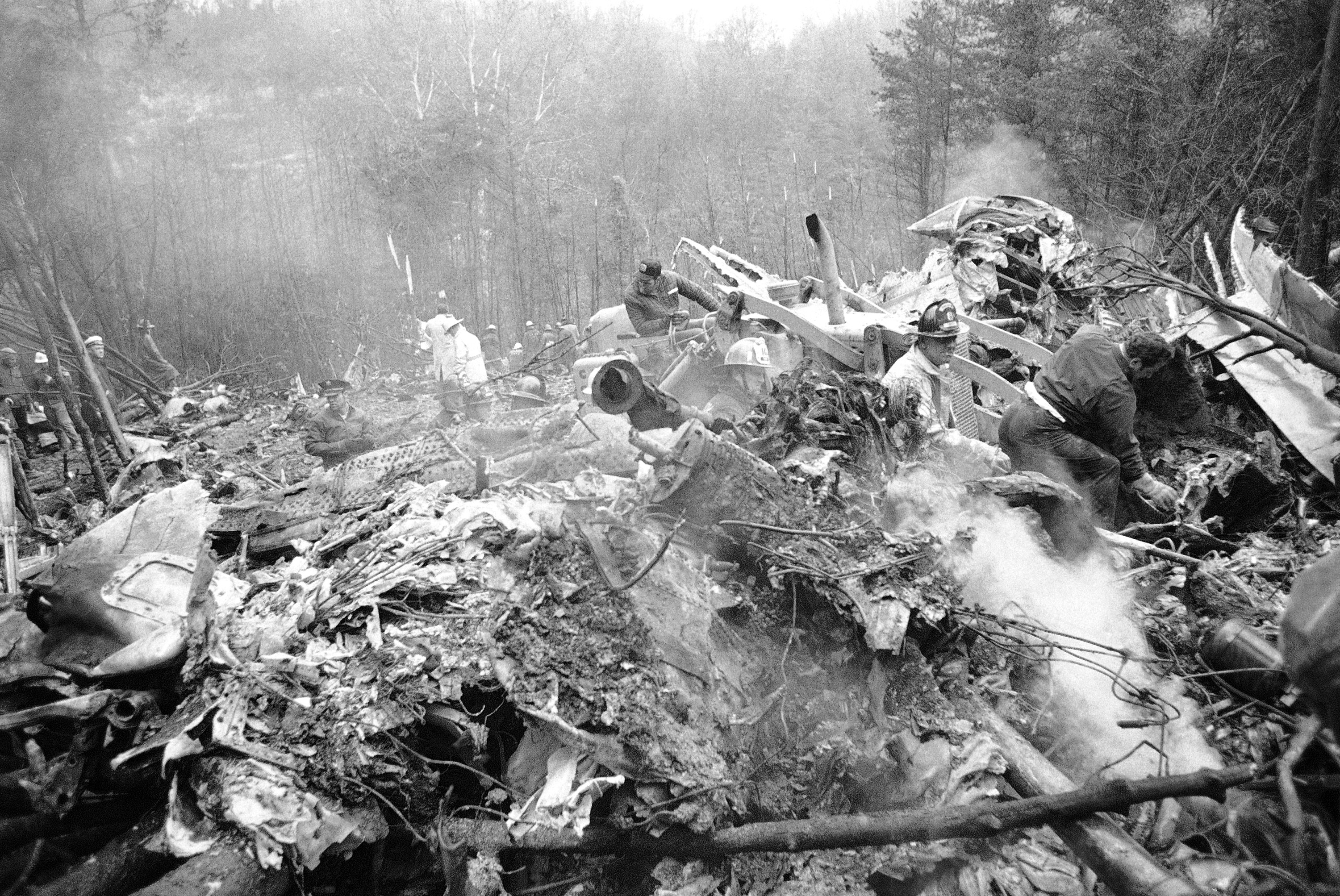 Two airplane crashes in 1970 devastated two college football teams -  pennlive.com