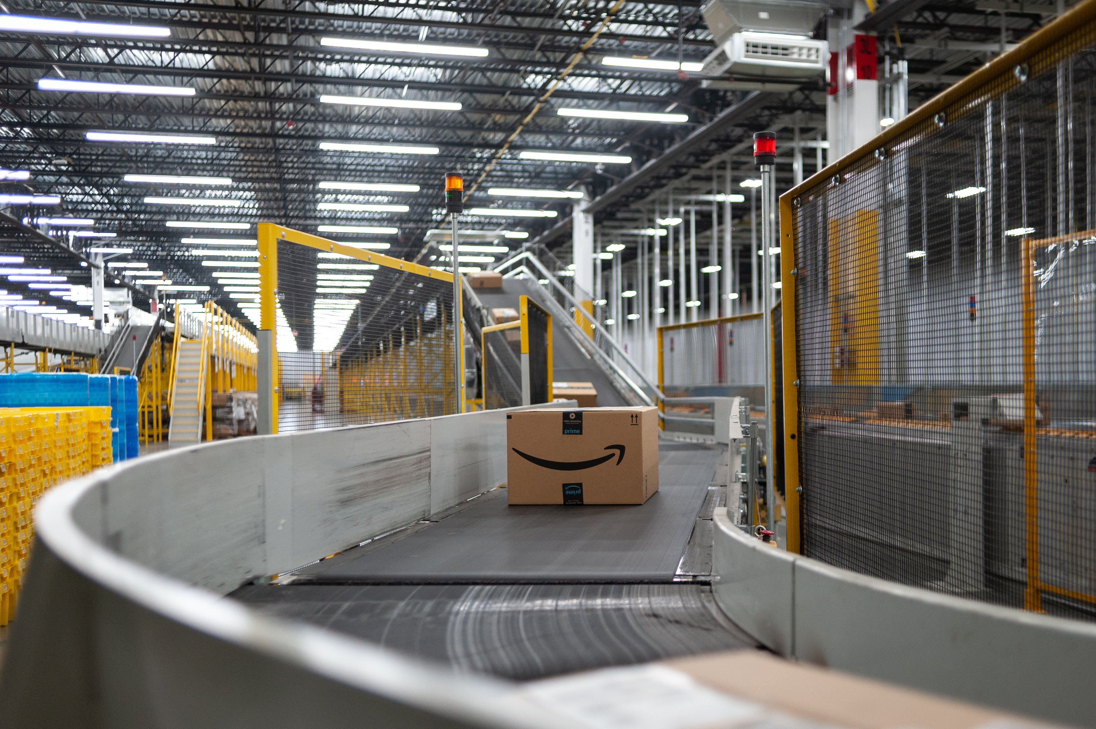 Amazon Warehouse In Troutdale Logistical Marvels And Persistent Worker Complaints Oregonlive Com