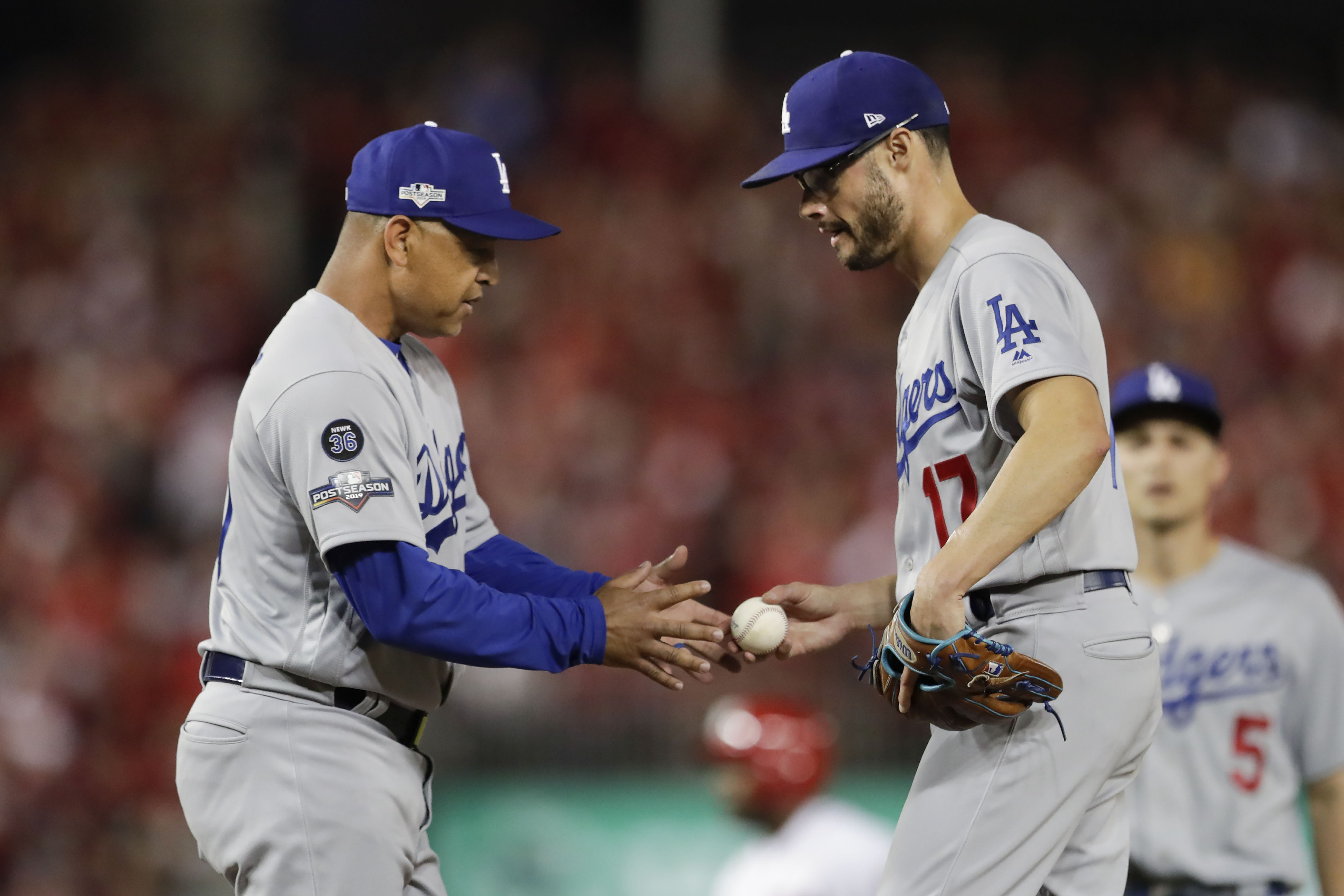 Ex Boston Red Sox Joe Kelly Who Has Unknown Injury Gives Up Two Runs In Wild Nlds Game 3 Outing But Dodgers Win Masslive Com Well, this one got interesting. 2