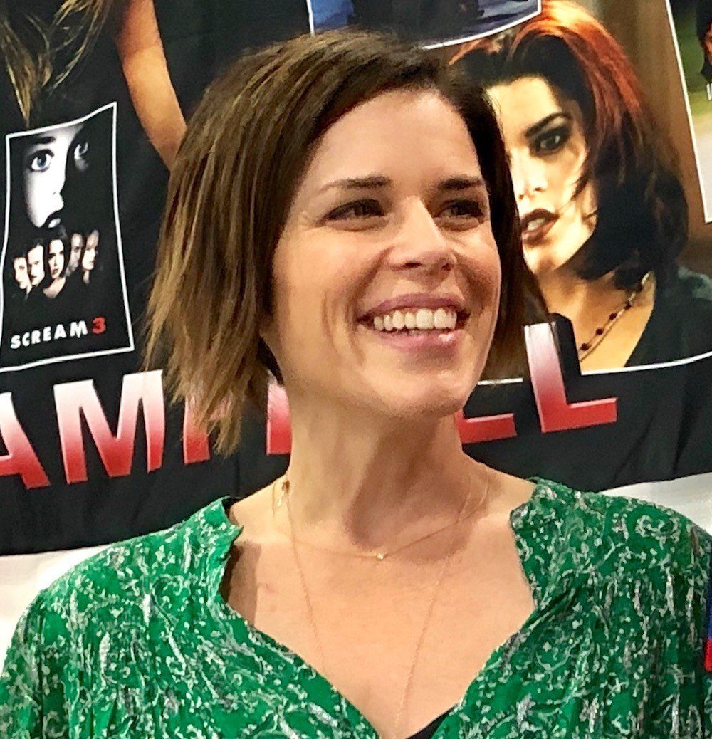 Catching up with 'Scream' and 'Party of Five' star Neve Campbell at Motor City Comic Con