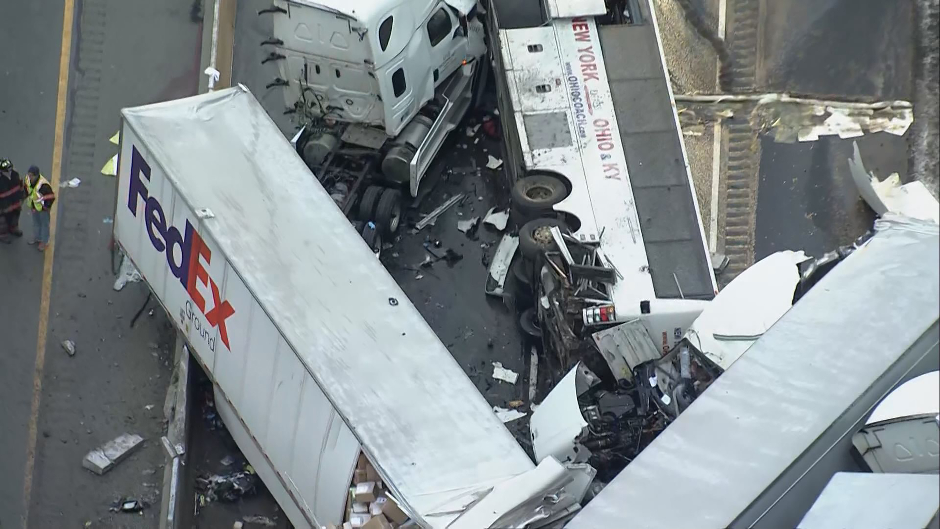 Rent A Wreck Nj >> Tour Bus In Massive Pa Turnpike Wreck That Killed 5 Is