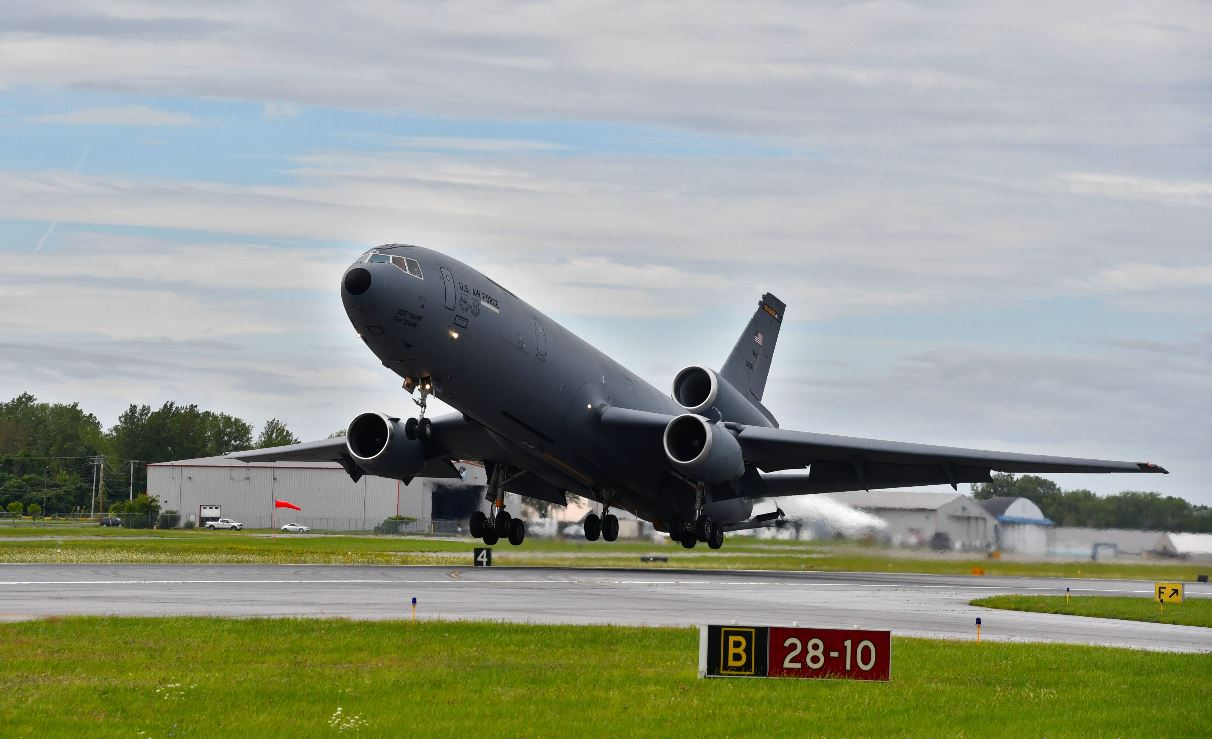 Why 2 big Air Force planes kept flying in and out of Syracuse airport Tuesday