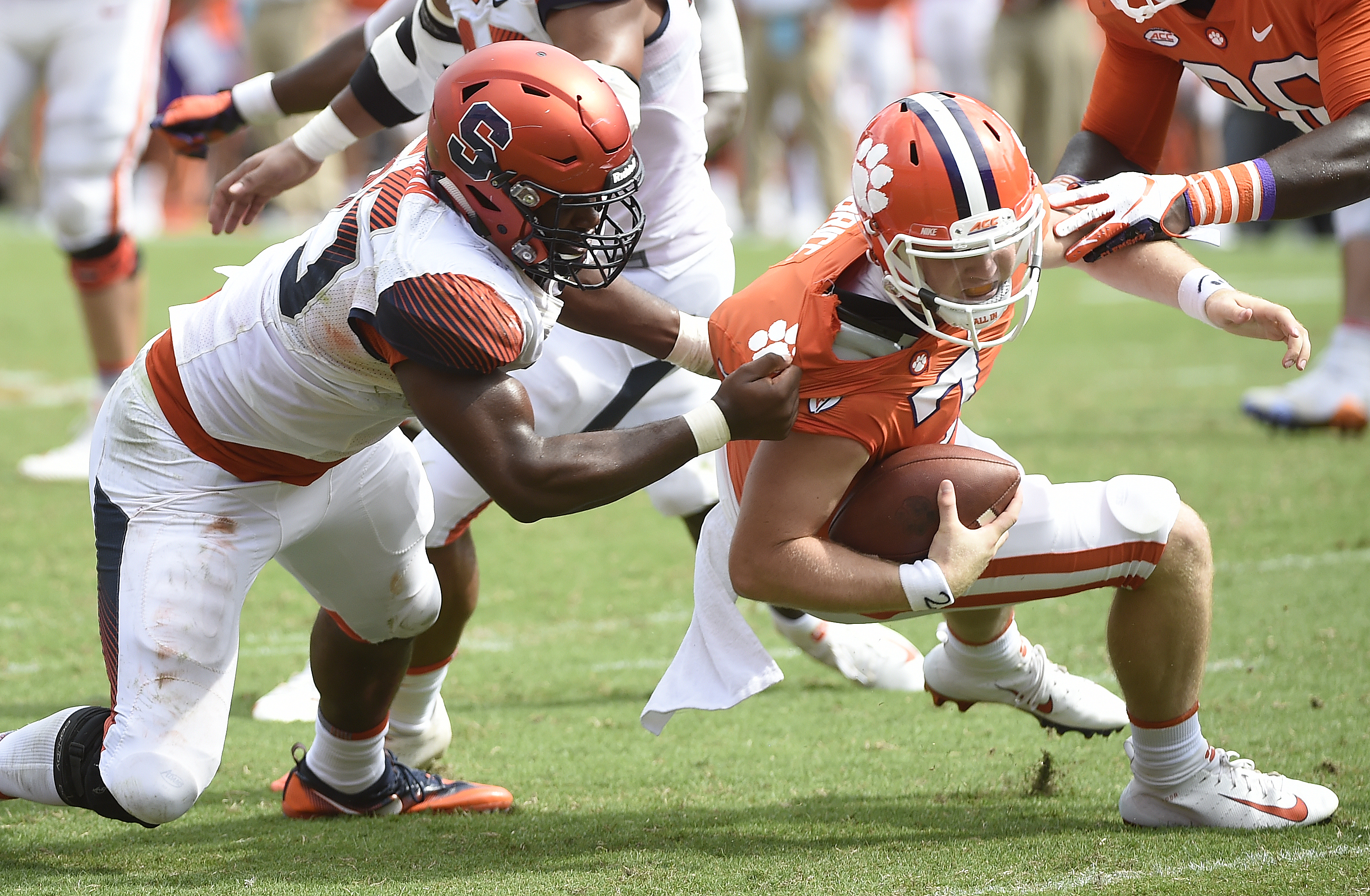 Syracuse football embraces underdog mentality; James Harden remembers Wes Johnson crossover; more