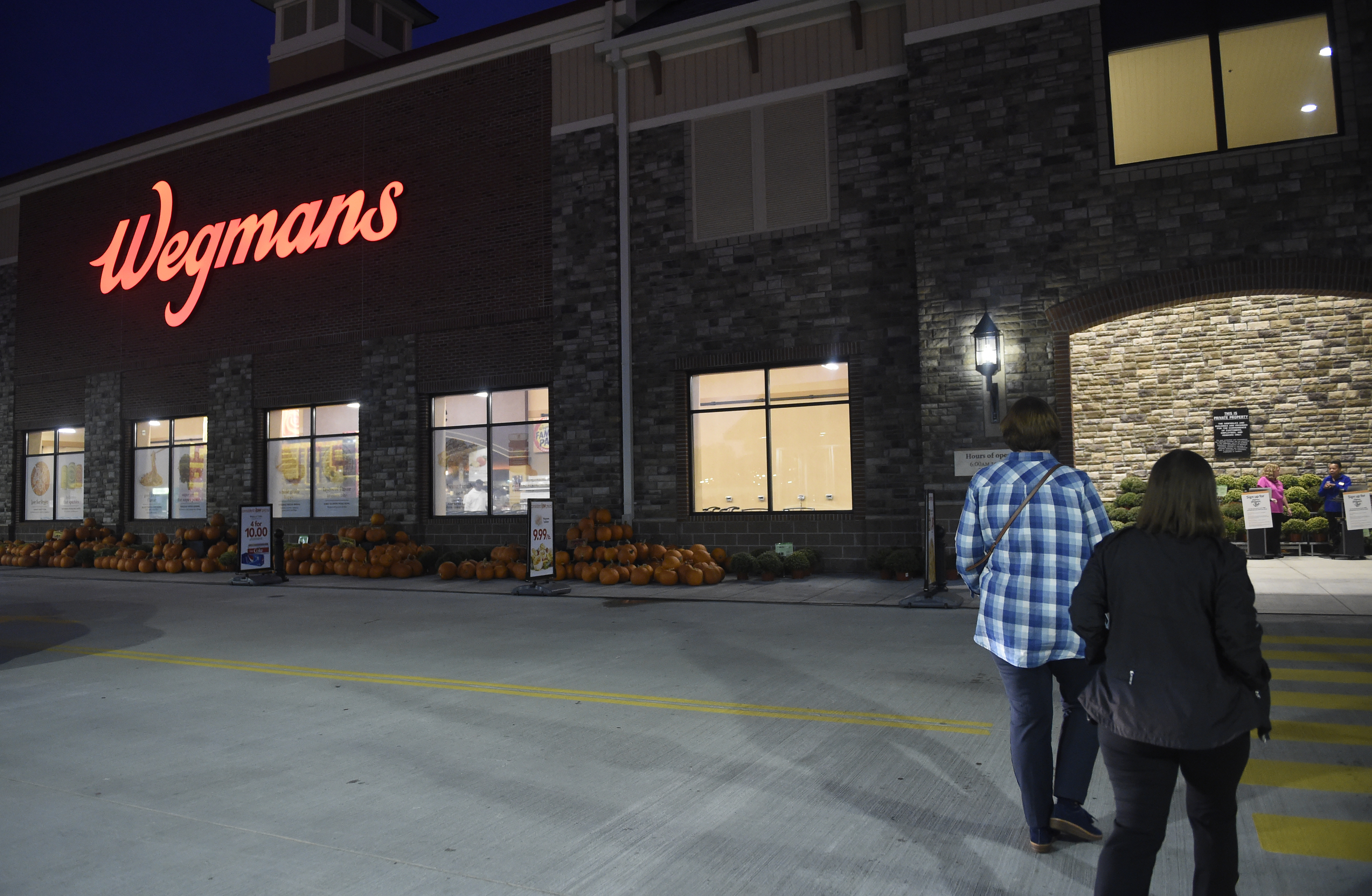 A 28-year wait ends: Wegmans comes to Raleigh. CNY transplants rejoice (video)