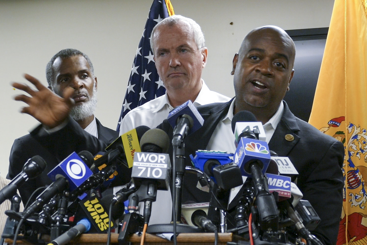 'Baraka lied to us all,' Newark water group says. 'We call for change.'