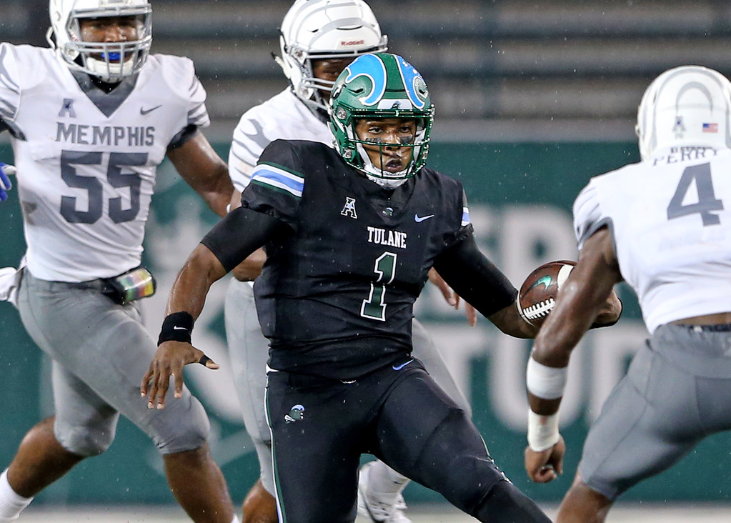 Tulane Green Wave quarterback Jonathan Banks (1) carries during the game between the Memphis Tigers and Tulane Green Wave at Yulman Stadium on Friday, September 28, 2018. (Photo by Michael DeMocker, NOLA.com | The Times-Picayune)