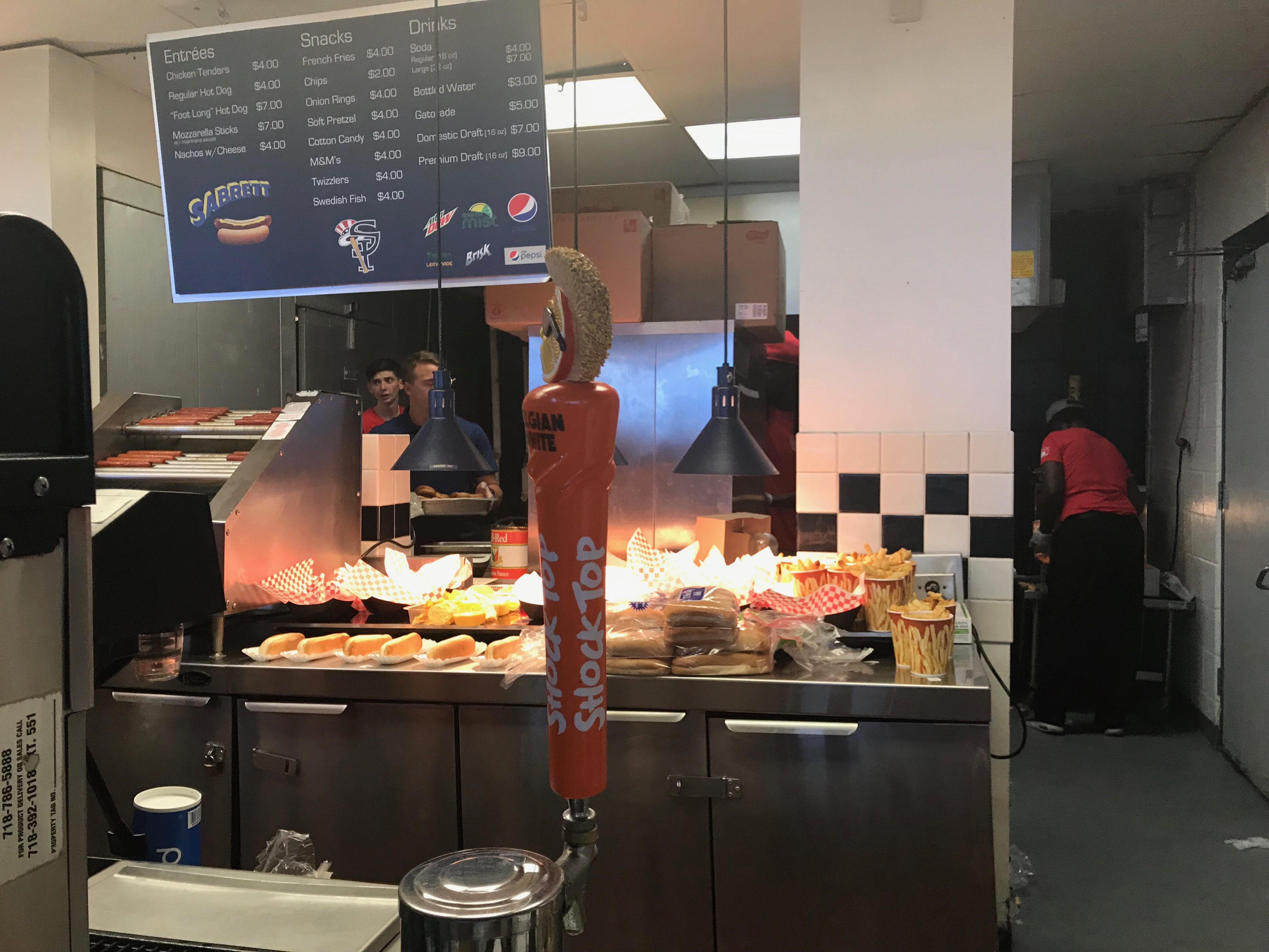 A rough ride for new food service at Staten Island Yankee ballpark on opening night (commentary)