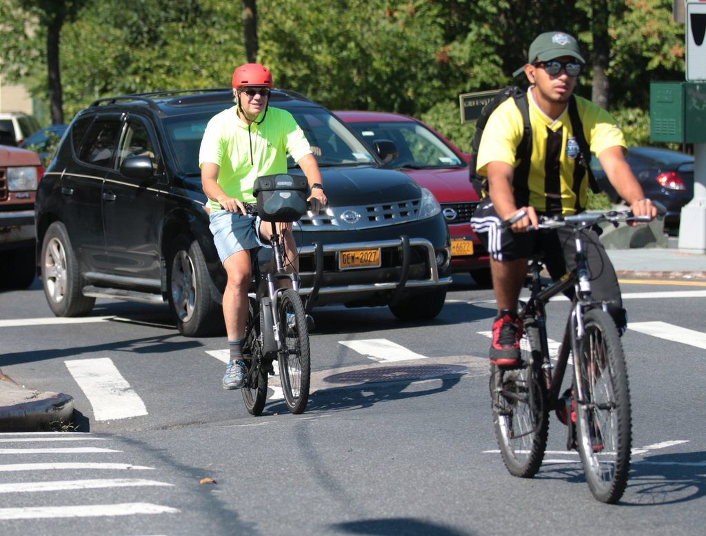 Cities urged to make cyclist-friendly roadway changes