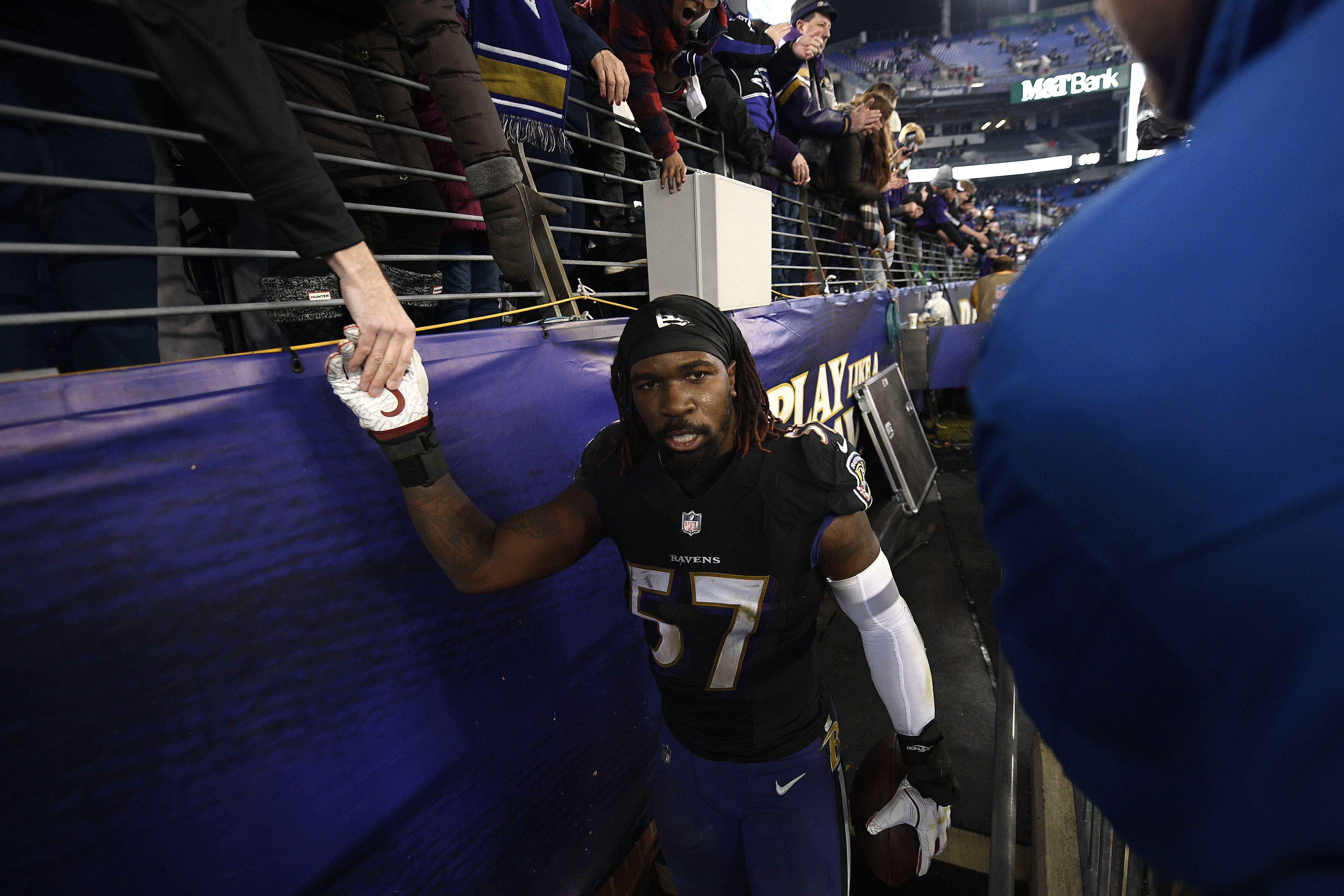 C J  Mosley to become NFL's highest-paid inside linebacker