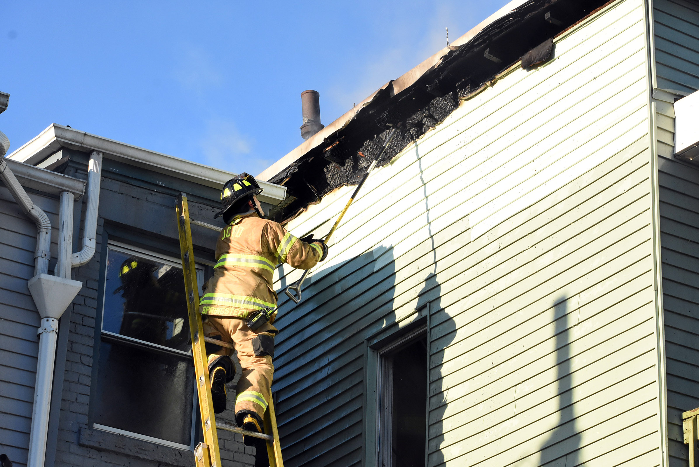 3-alarm blaze in Jersey City claims 2 multi-family homes; Springsteen's son among responders