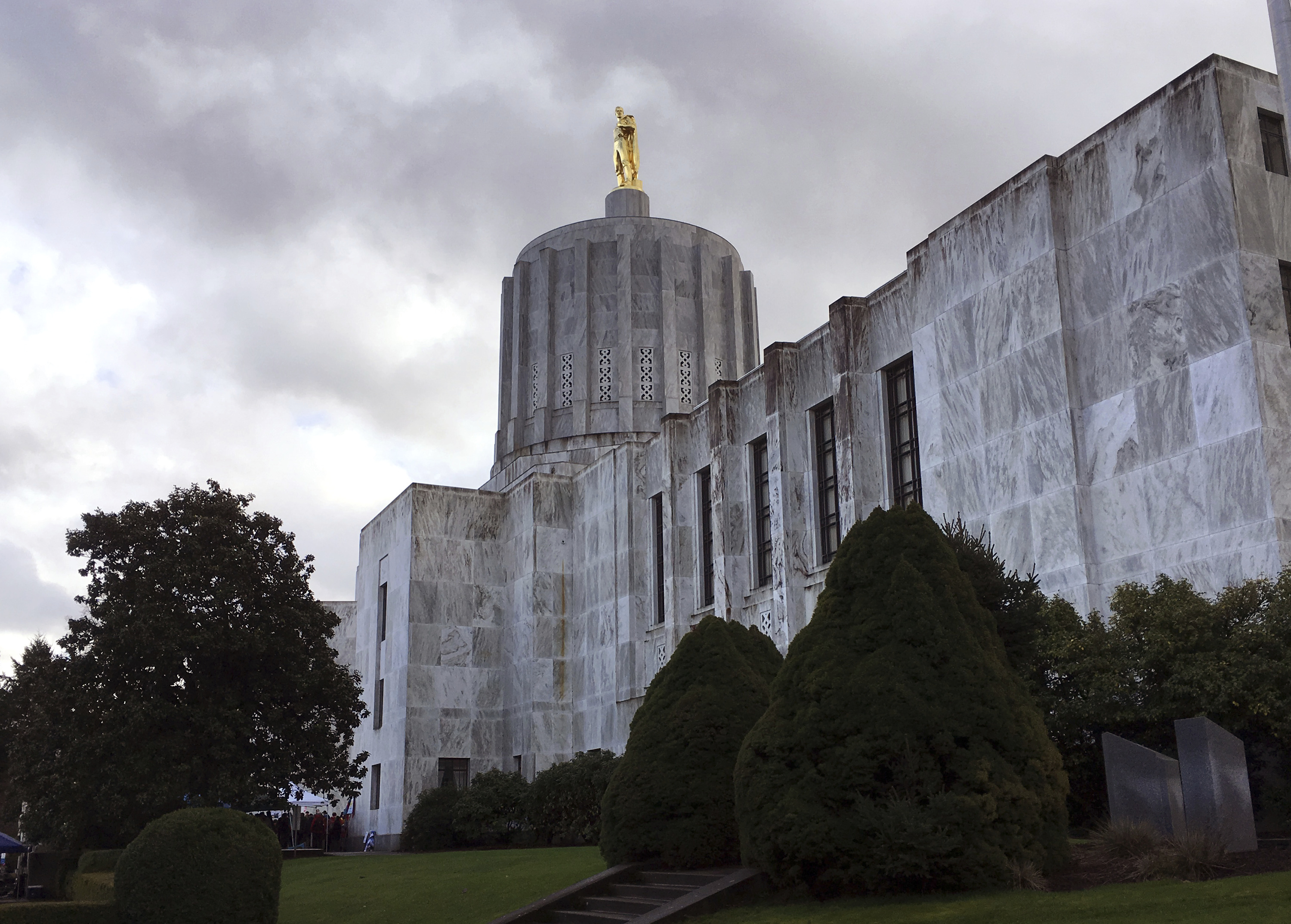 State inspections of funeral homes fall short in Oregon
