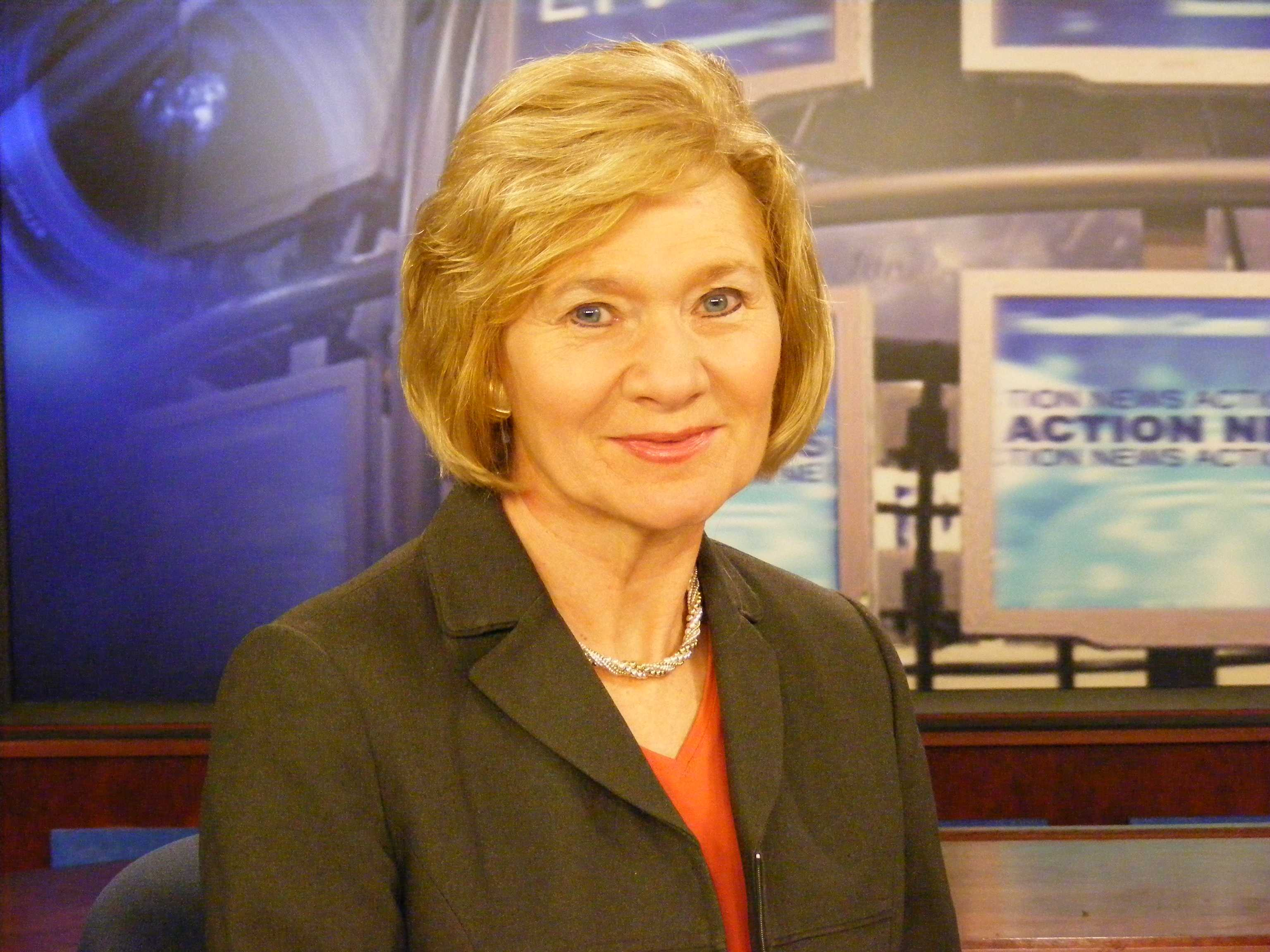 Laura Hand signs off after 47 years, gets special honor at Syracuse TV station