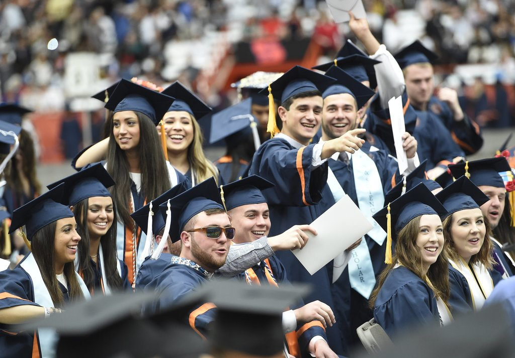 Syracuse announces it will hold graduation outdoors for first time since 1972
