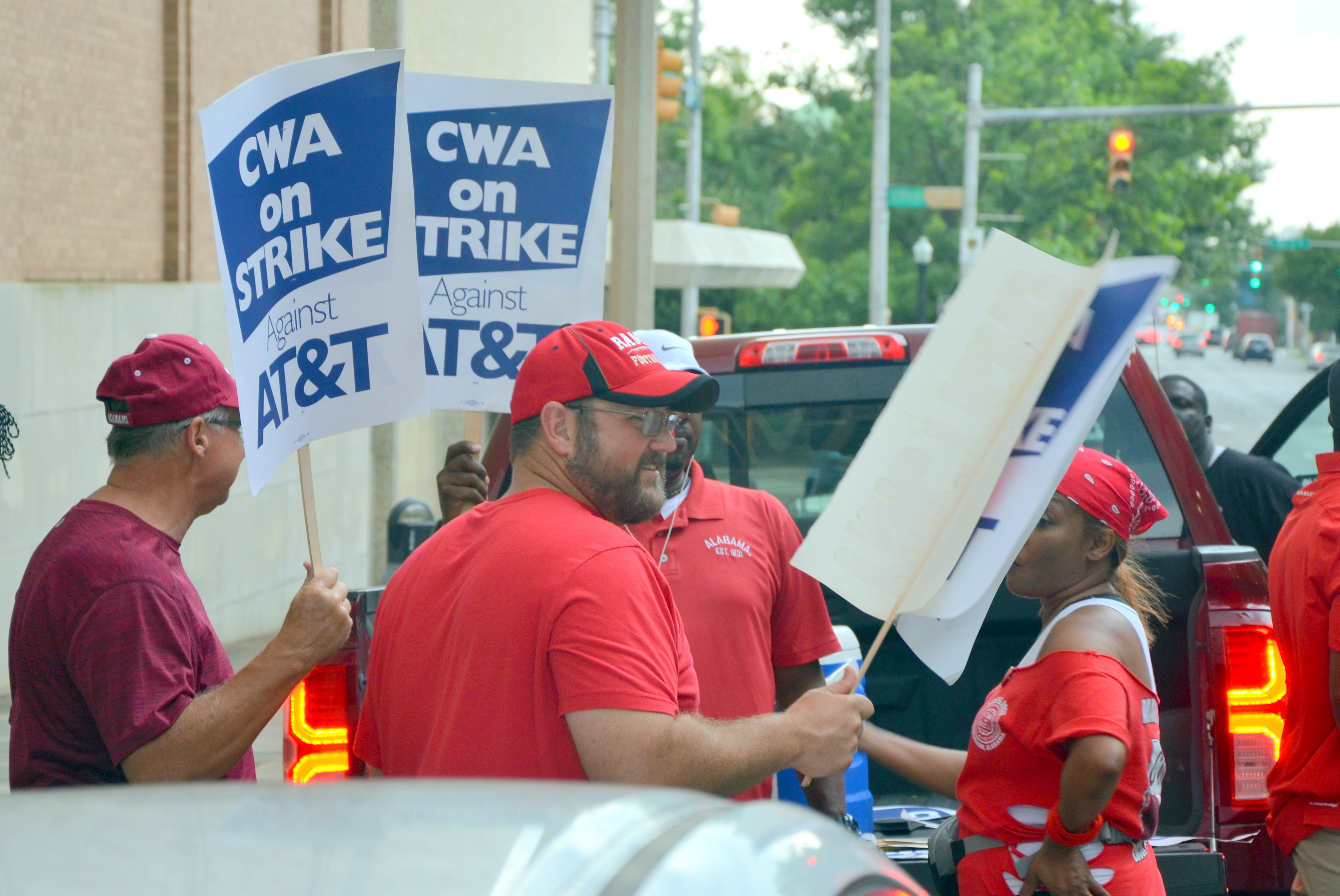 Alabama AT&T workers among 20,000 on strike