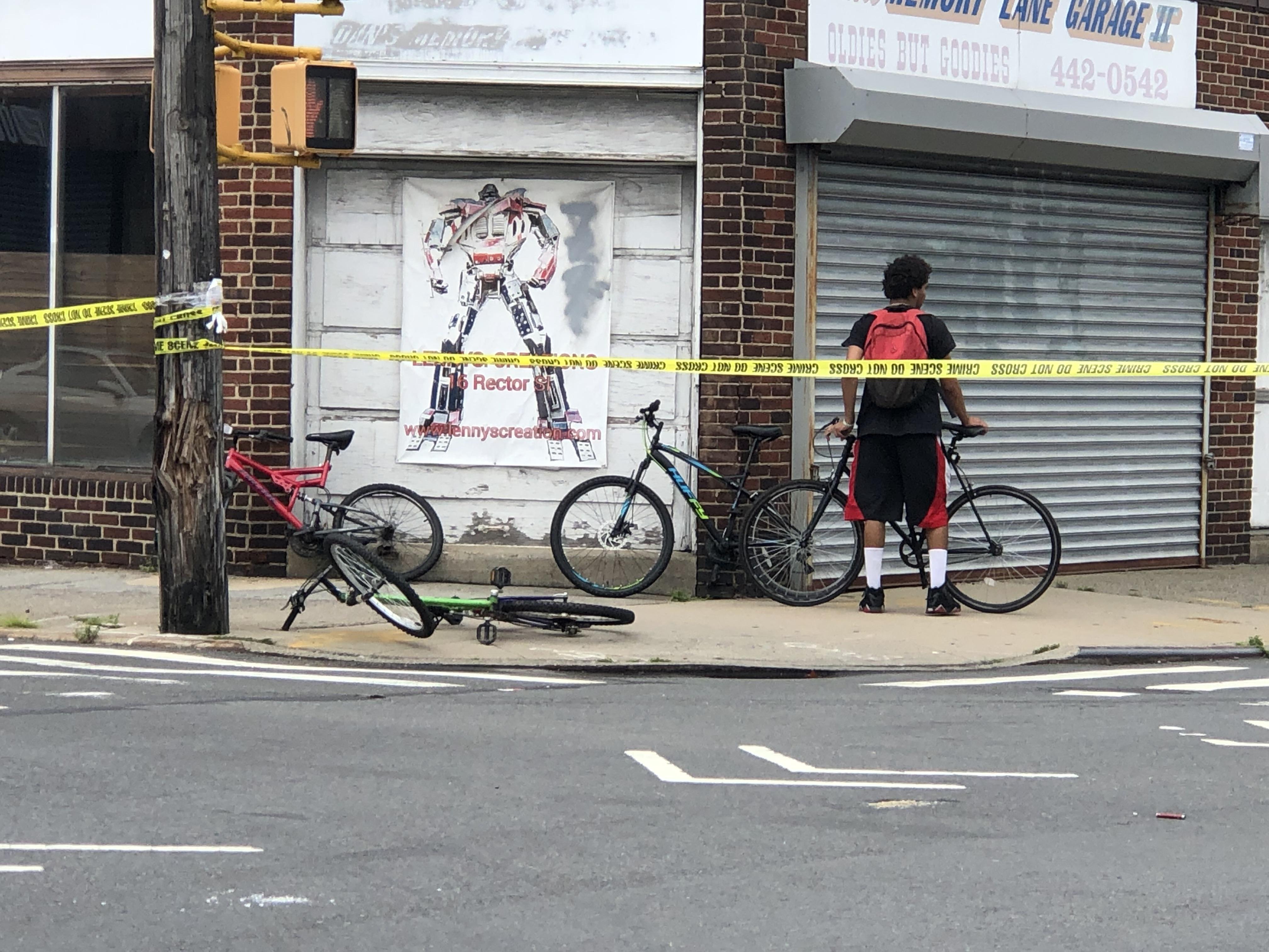 Cops: Boy, 17, riding bike dies after crash in West Brighton