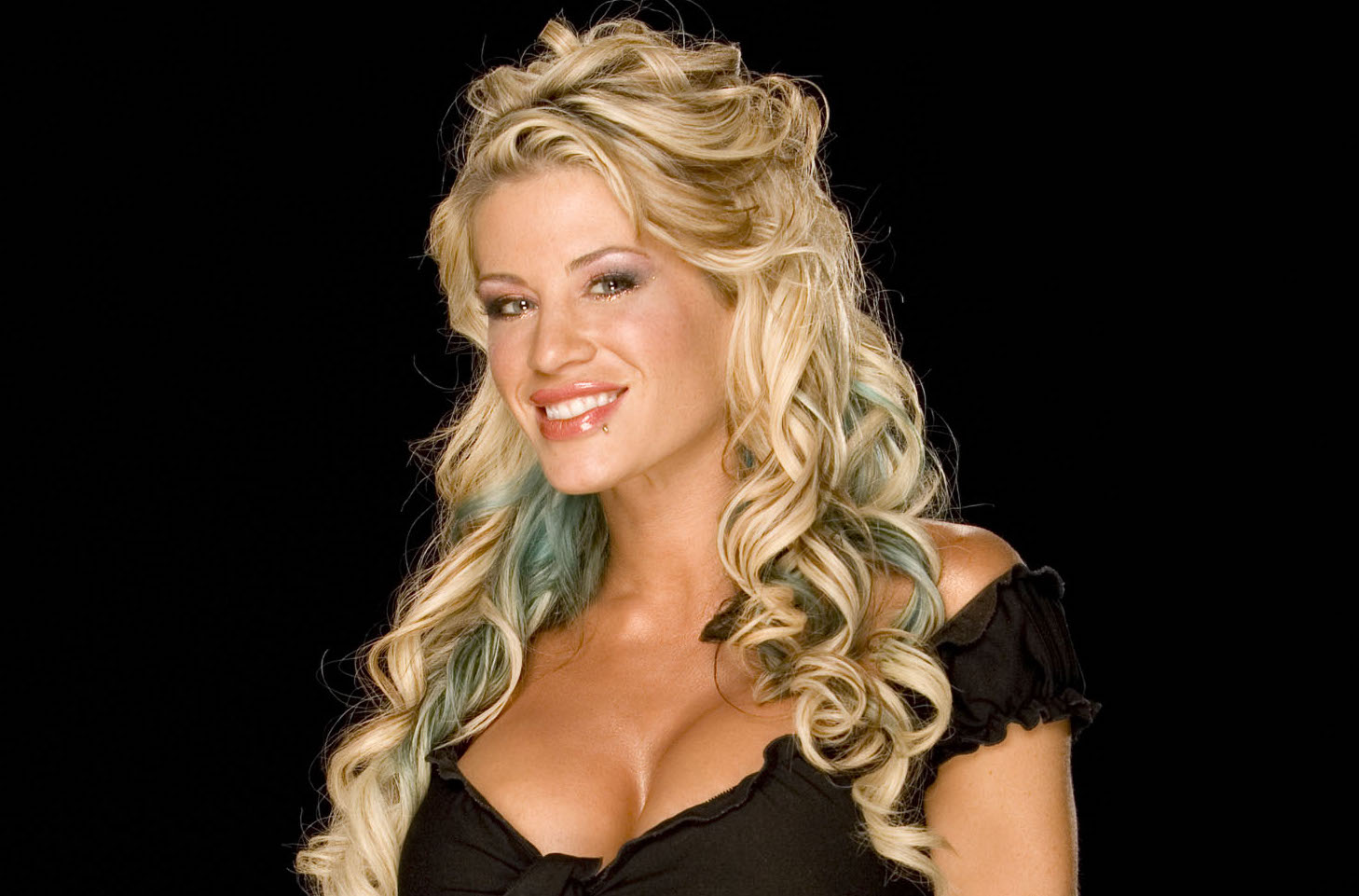 Ashley Massaro, former WWE superstar, died by suicide: report