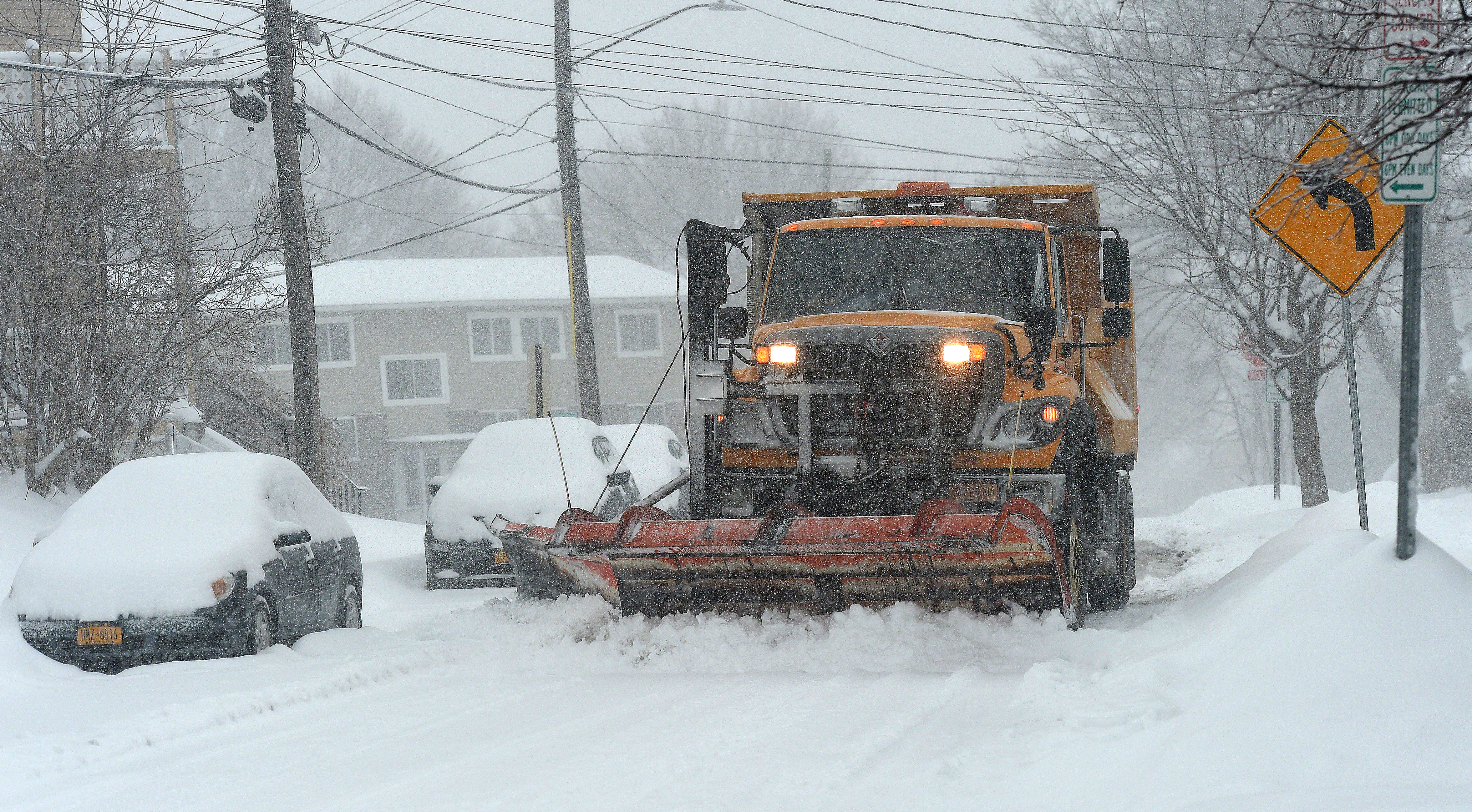 Aging fleet, fast-falling snow make storm 'really difficult' for Syracuse plows