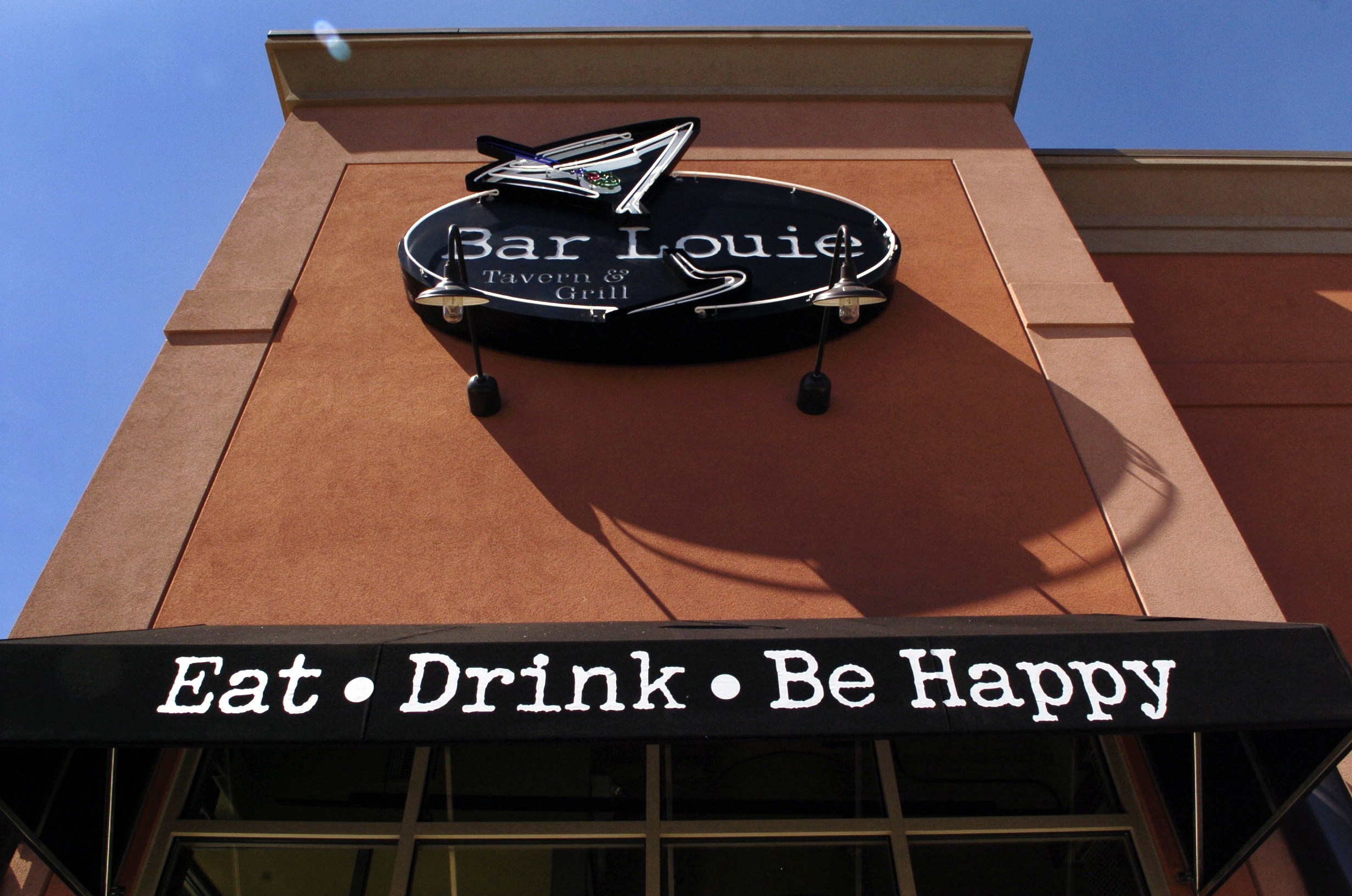 Bar Louie abruptly closes N.J. location, files for Chapter 11 bankruptcy