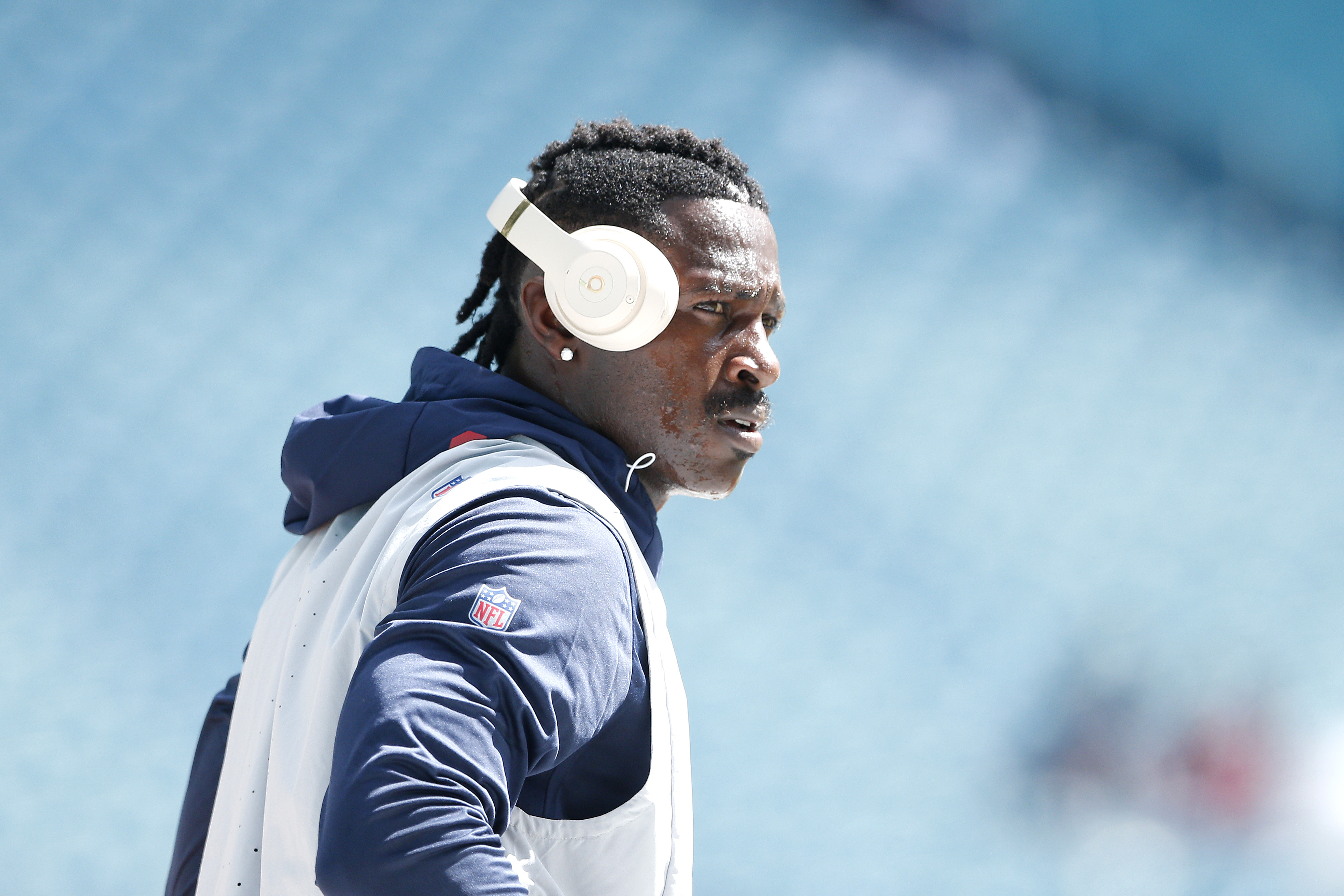 'Keep praying for me': Antonio Brown talks New England Patriots, NFL, XFL in Instagram Live