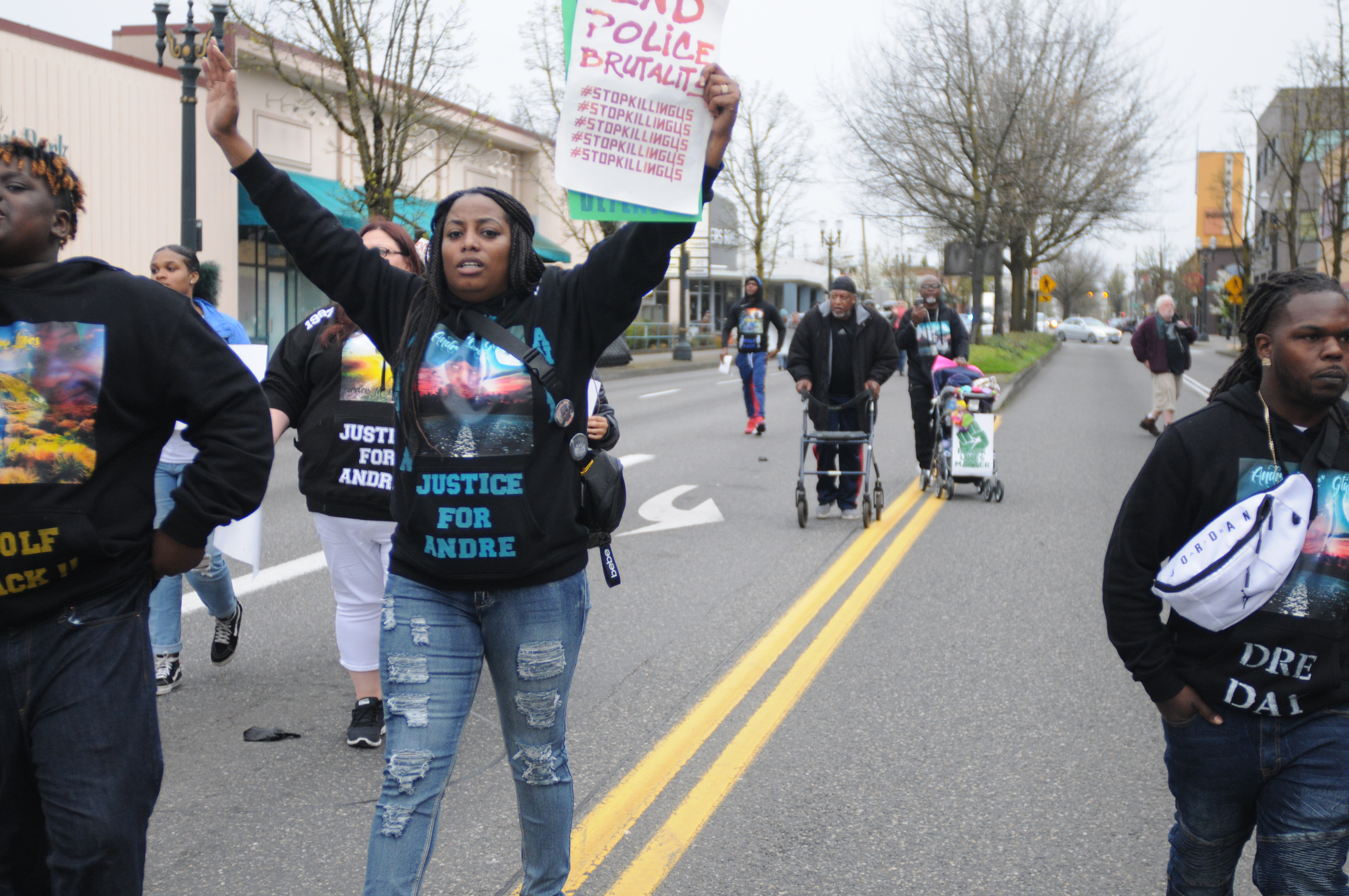 Supporters urge Portland police chief, mayor to send condolences to relatives of people killed by police