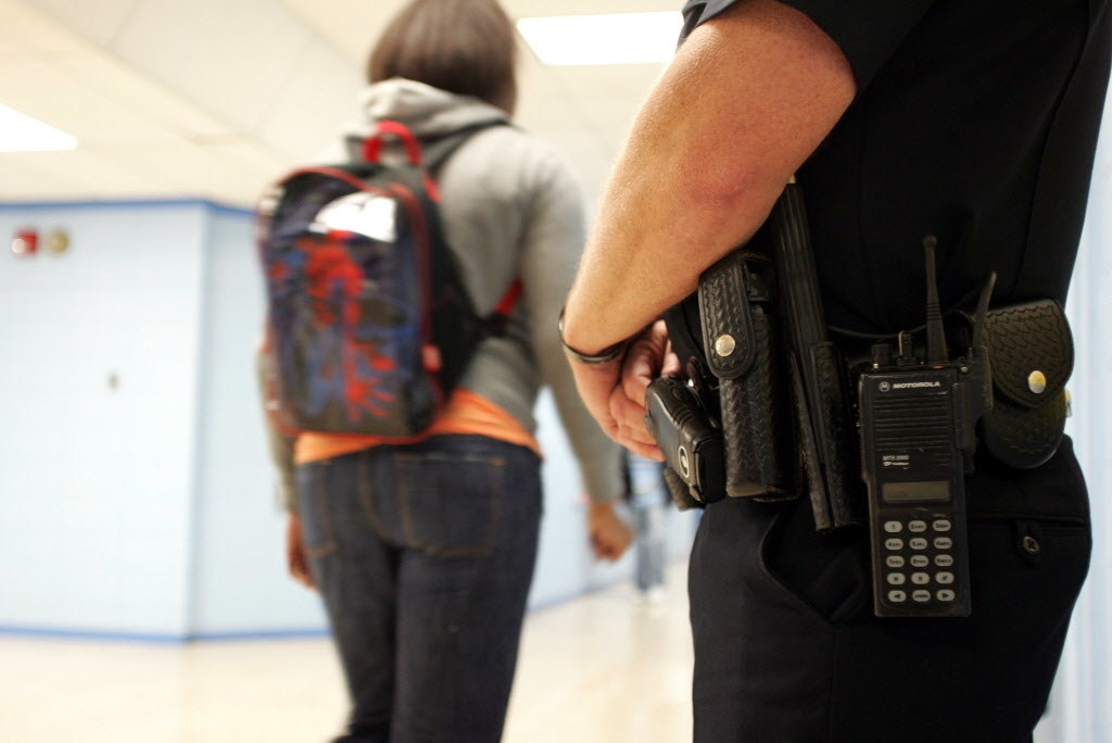 Report: Police in Alabama schools need specialized training