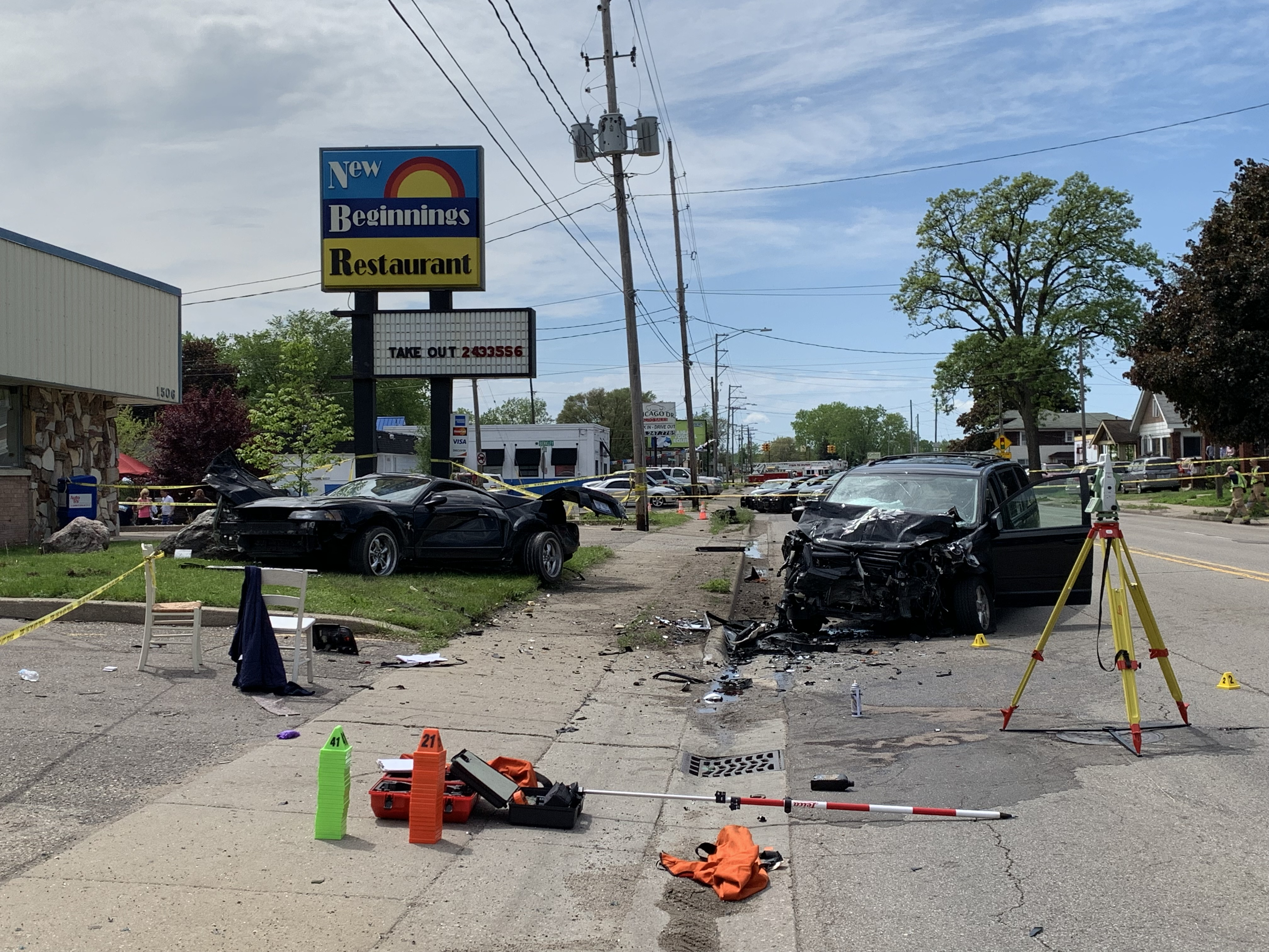 Road closed after multi-vehicle crash reported near Grand Rapids