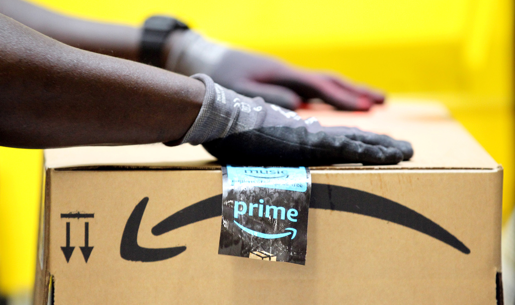 amazon to open fulfillment center at former rolling acres mall in akron cleveland com https www cleveland com business 2019 07 amazon to open fulfillment center at former rolling acres mall in akron html