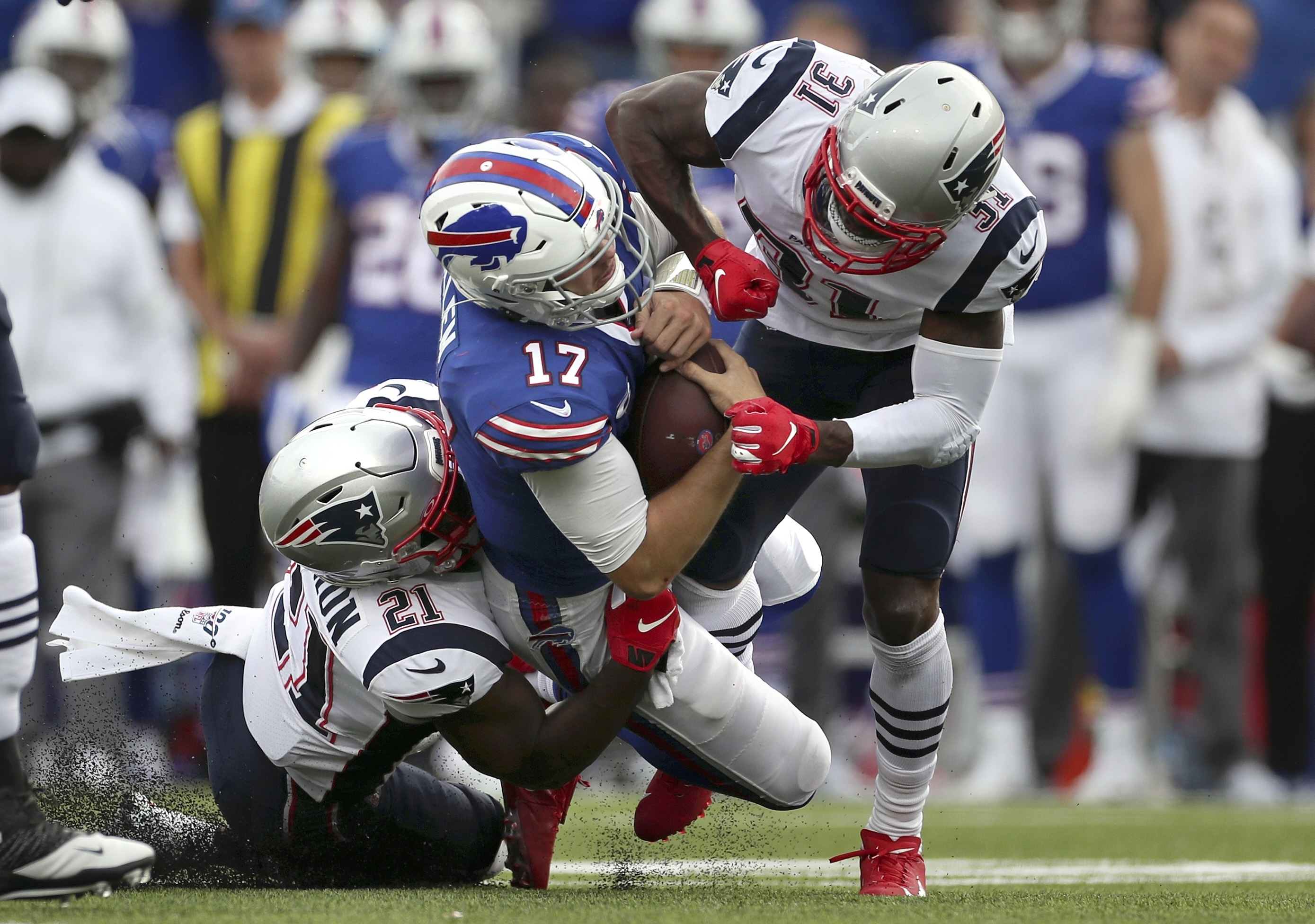 Bills??? Josh Allen leaves game vs. Patriots after helmet-to-helmet hit (Watch)