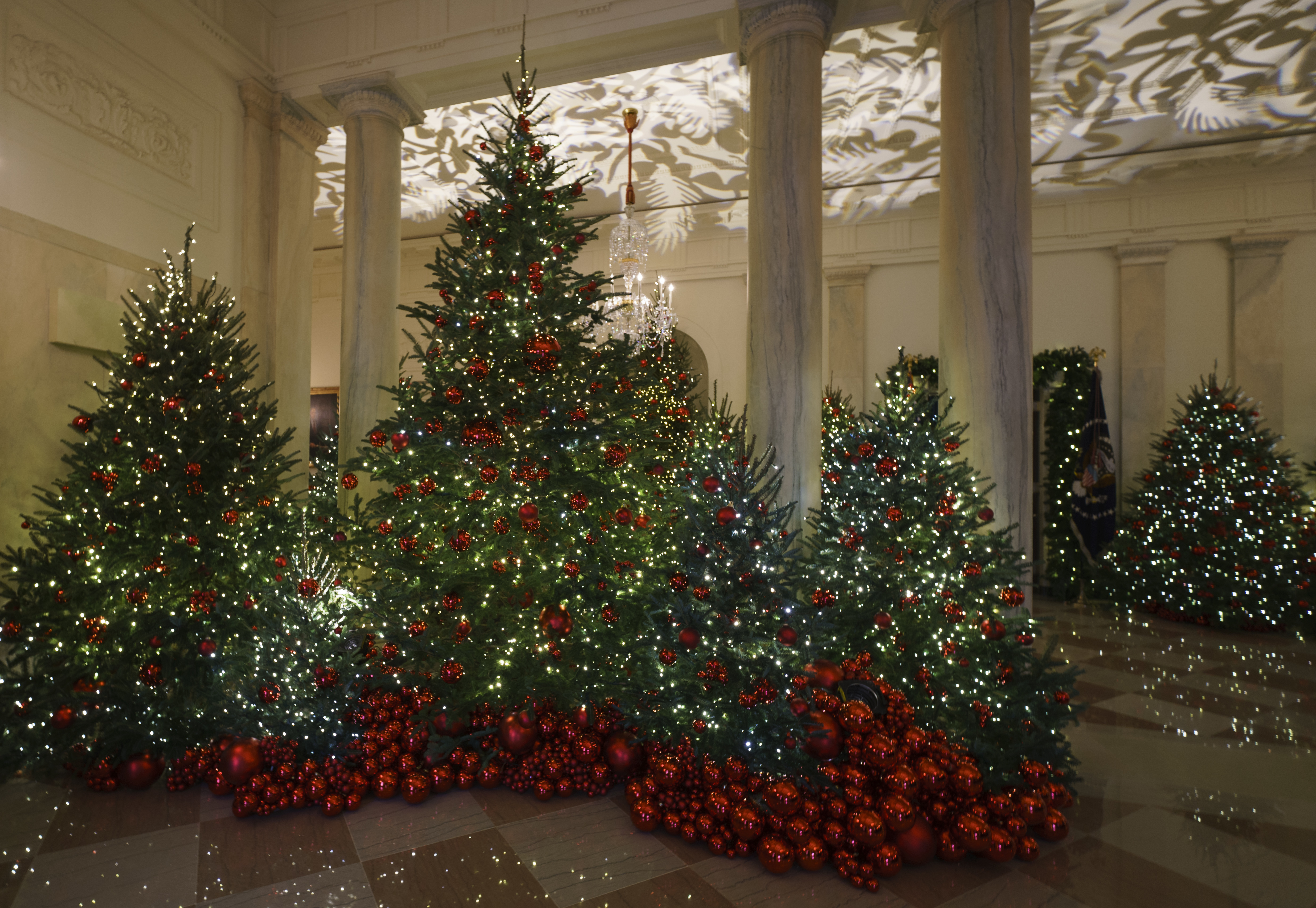 Christmas White House 2021 Sesame Street White House Christmas Decorations Red Trees May Symbolize Valor But Spur Ridicule Pennlive Com