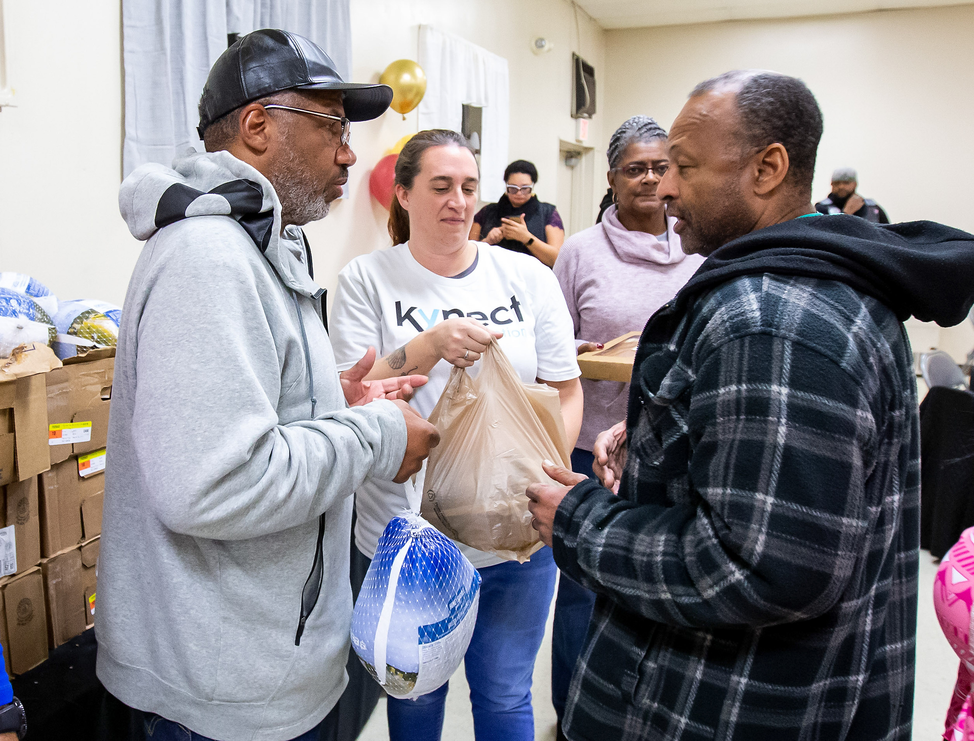 """Chris """"Handles"""" Franklin's foundation holds turkey giveaway for third straight year: photos"""