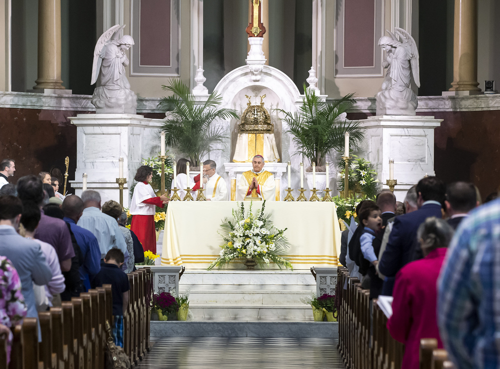Easter mass at Cathedral Parish of St. Patrick in Harrisburg: Photos