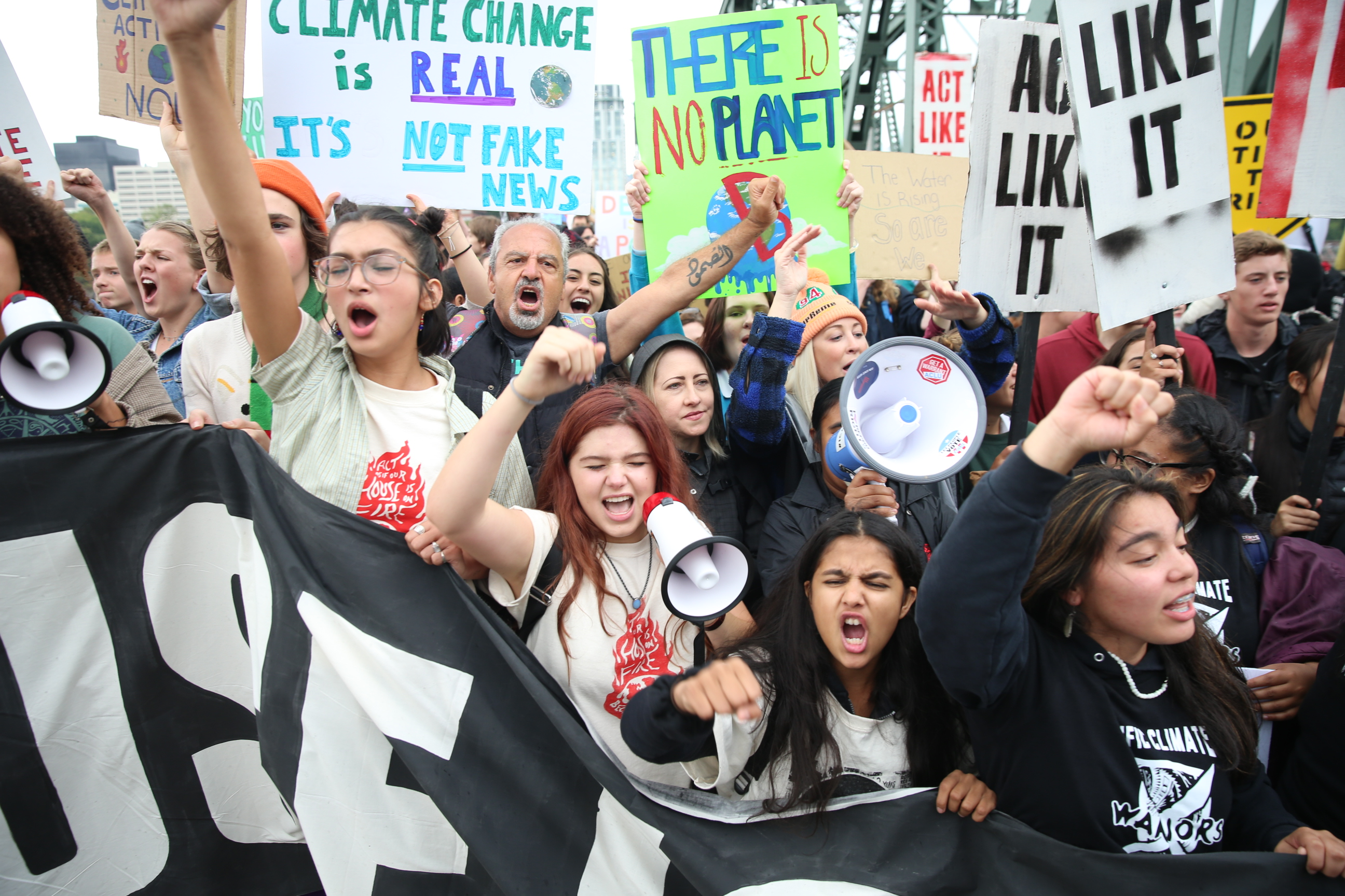 Portland climate strike: Students ditch class, fill downtown streets, Hawthorne Bridge as part of global protest