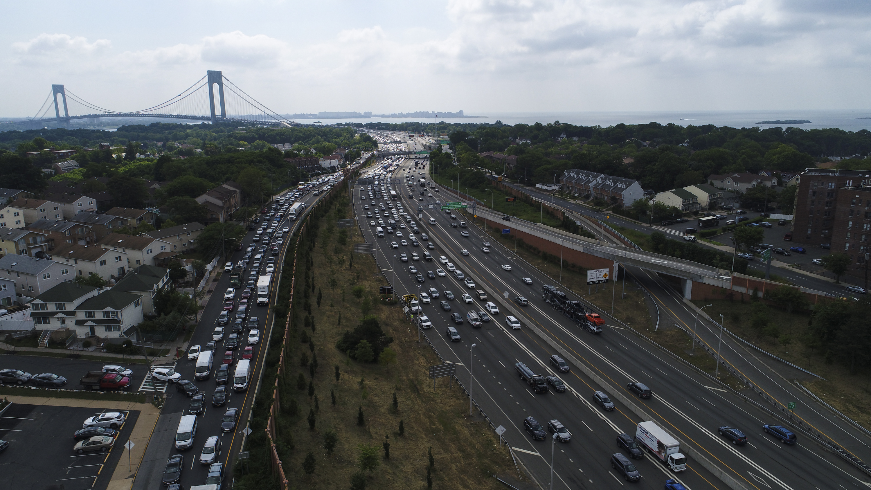 Cost of commuting extends far beyond money, report says